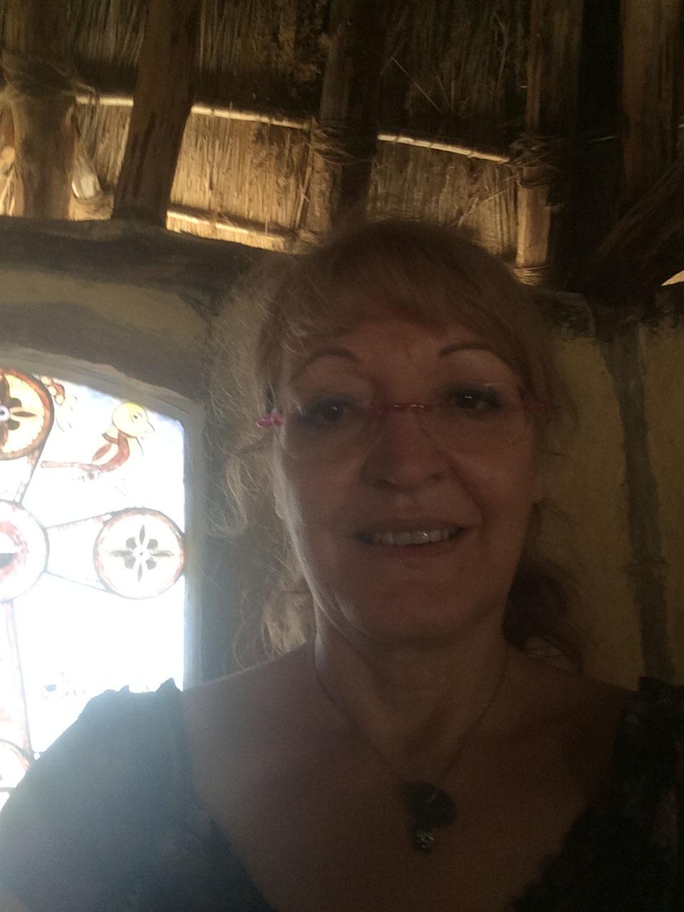 Dans la chapelle carolingienne, reconstruite selon les techniques architecturales de l'époque