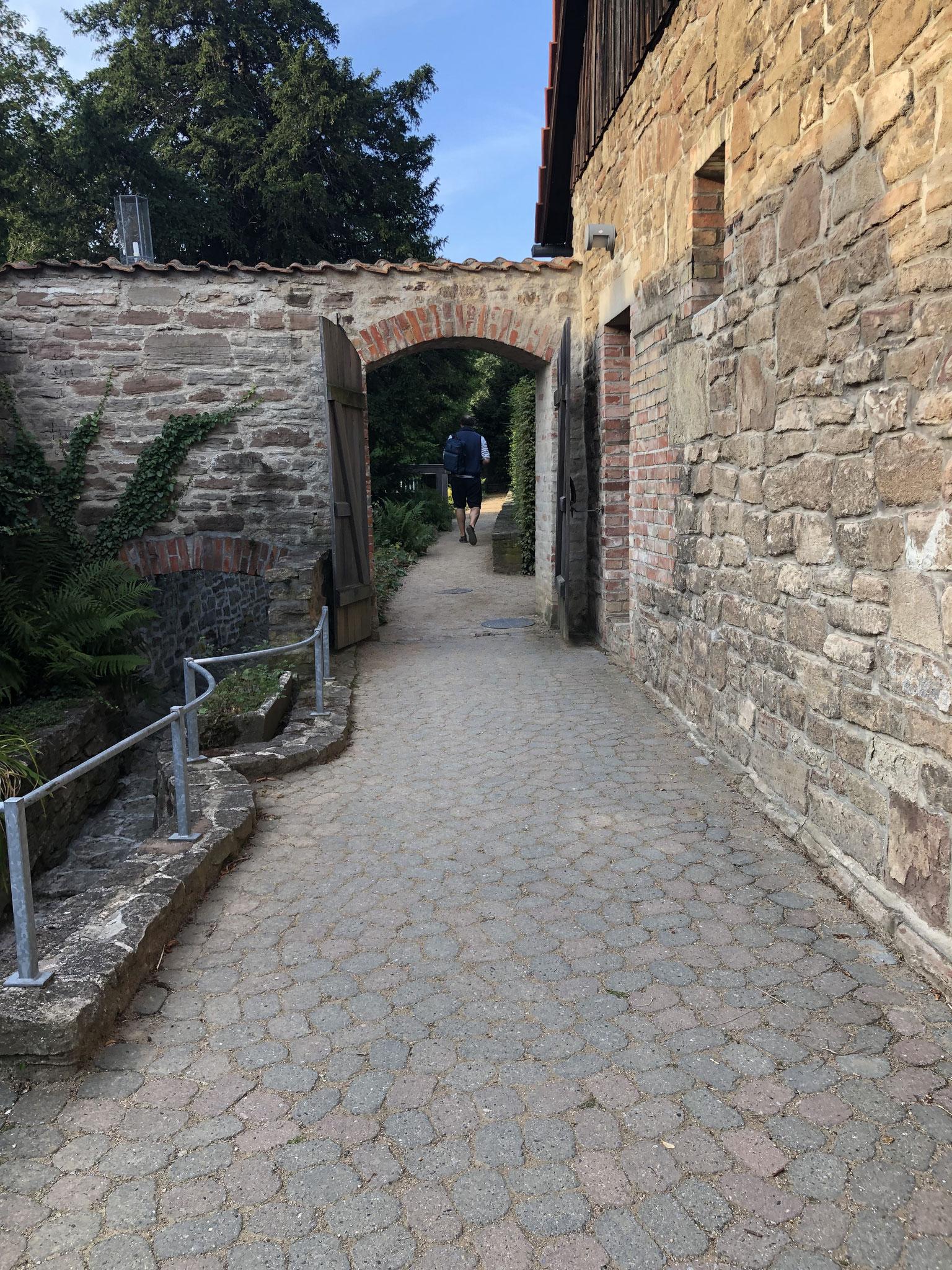 Tordurchgang im Klosterareal