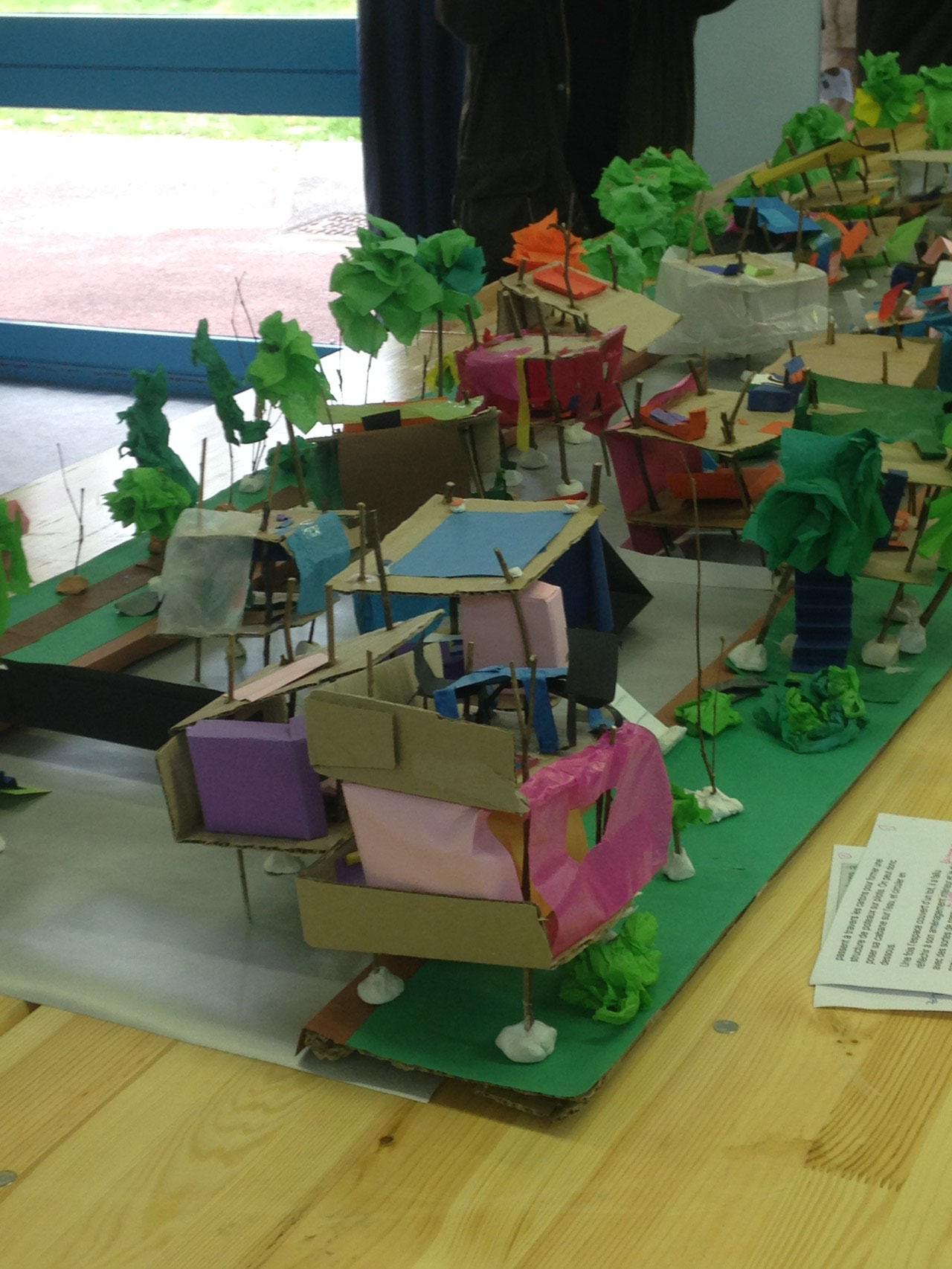 Vivre au bord et sur l'eau : le village des enfants - Atelier architecture (Élèves des Aulnaies)