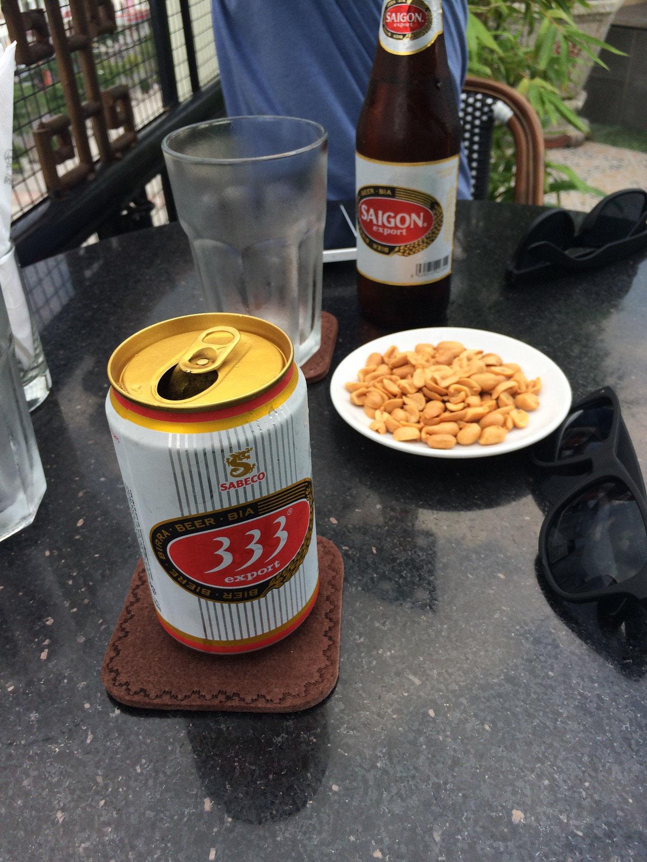 Bier im Rex Hotel