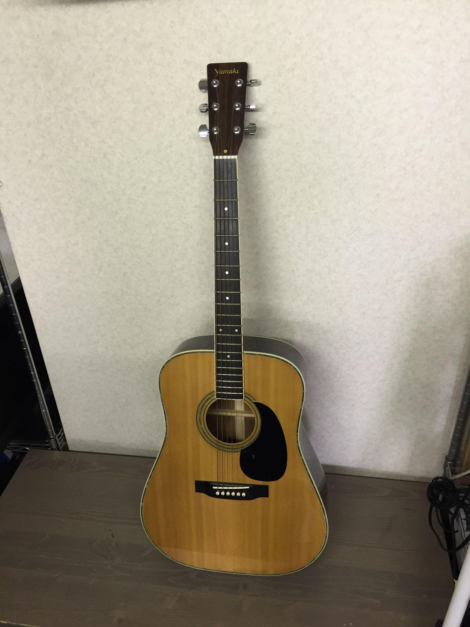 ヤマキアコースティックギター