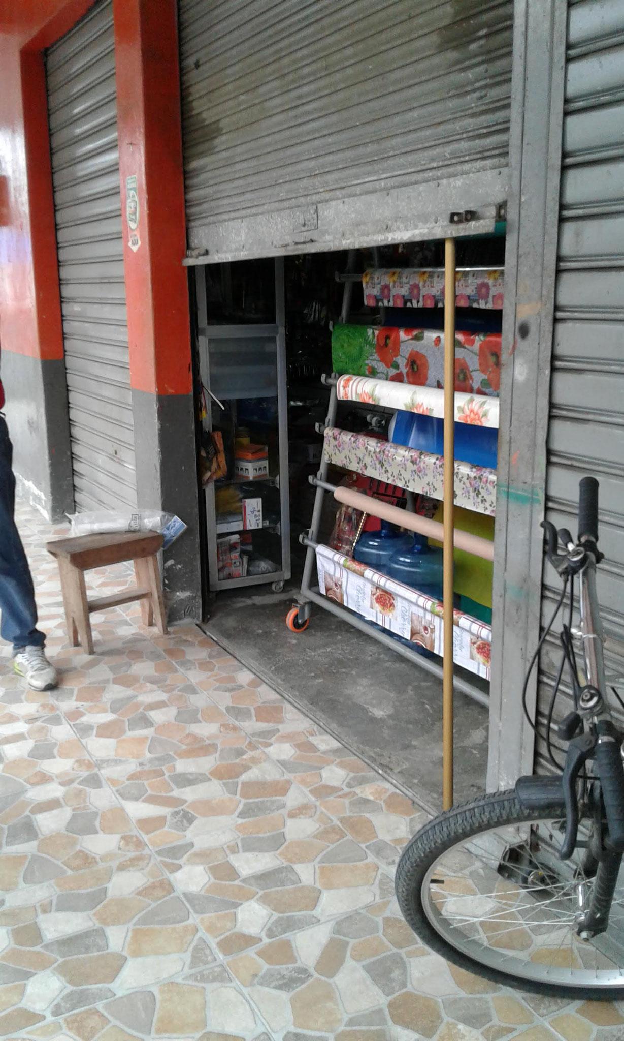 Die Läden öffnen ihre Geschäfte nur vorsichtig!