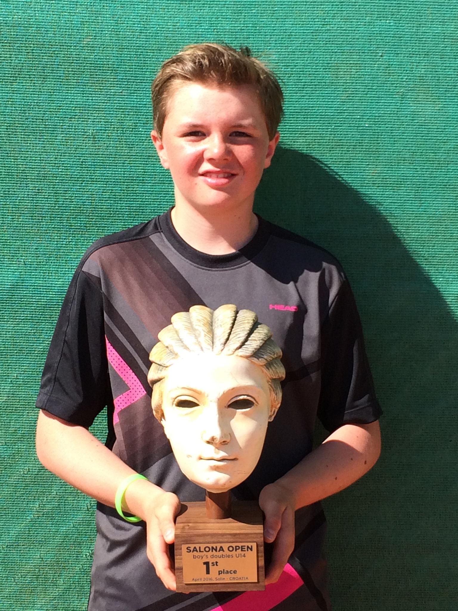 Erster internationaler Titel für Dominic.