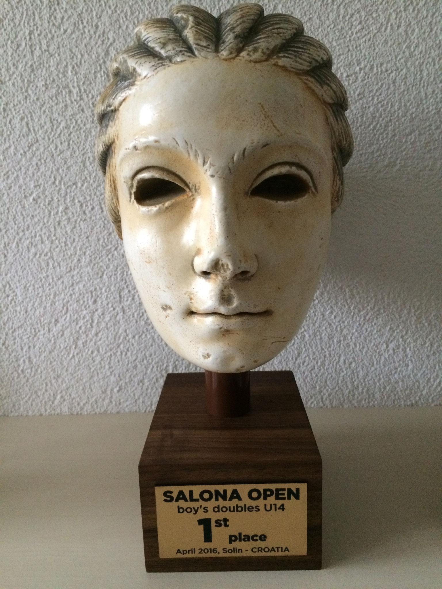 Der Titel (nachgemachter Kopf von Ausgrabungen, Wahrzeichen, von Salona).