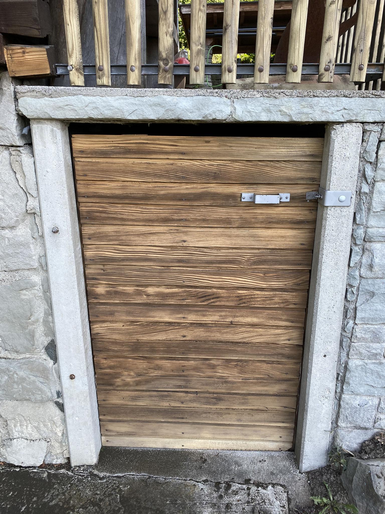 Holztür / Nachher / Porentiefe Reinigung