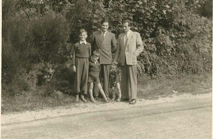 Karl und Franz Fritz, zusammen mit Karl's Söhnen Günther und Gerhard, und einem Freund