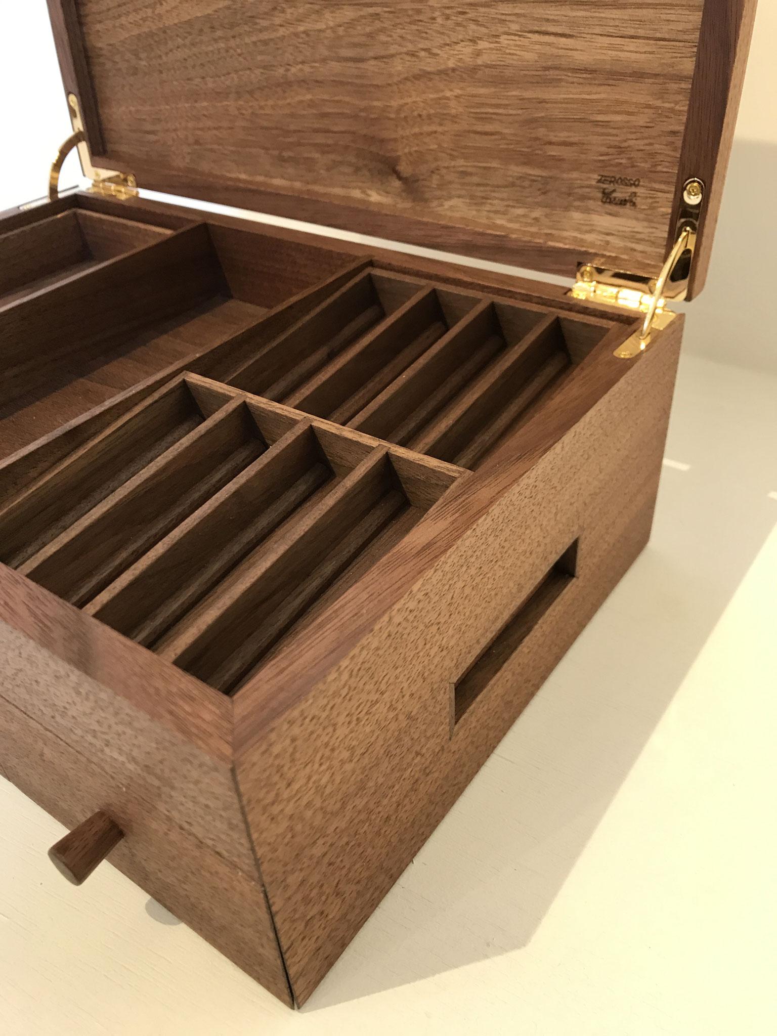 木製レジスター。/八ヶ岳の家具工房ZEROSSOの創作家具