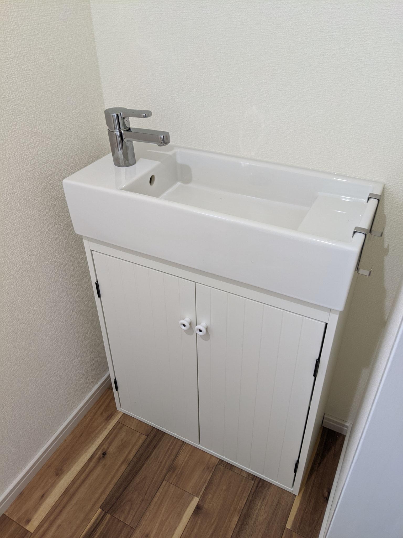 1Fトイレに手洗い設置