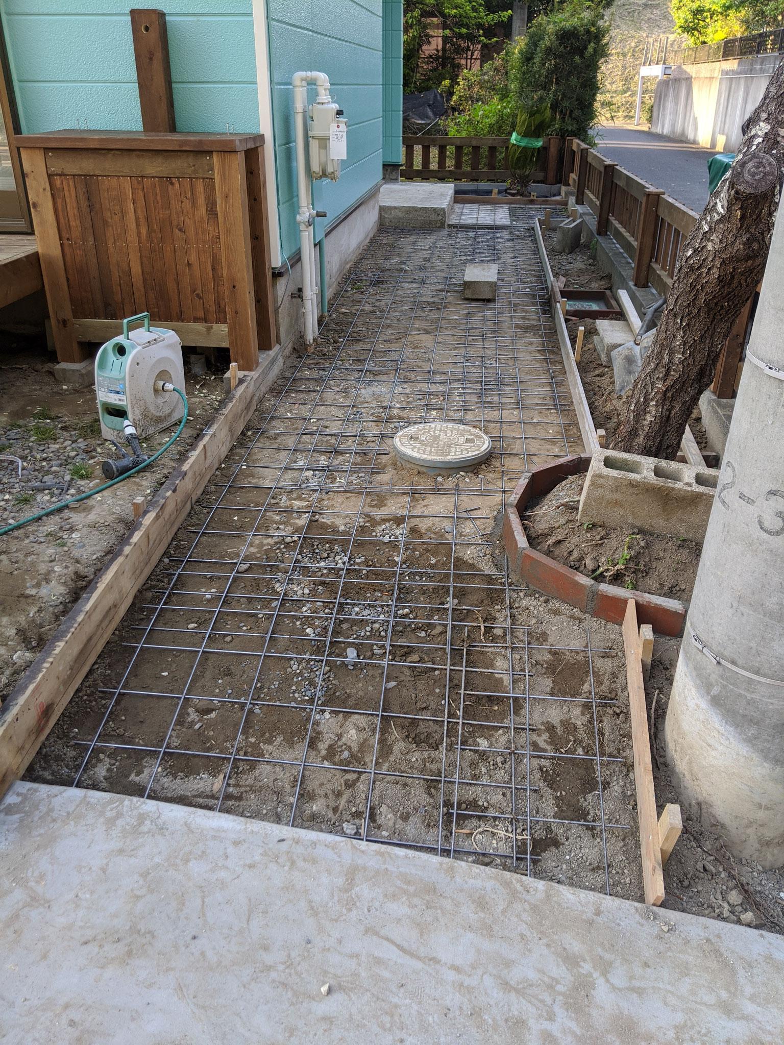 ポーチ土間コンクリート工事