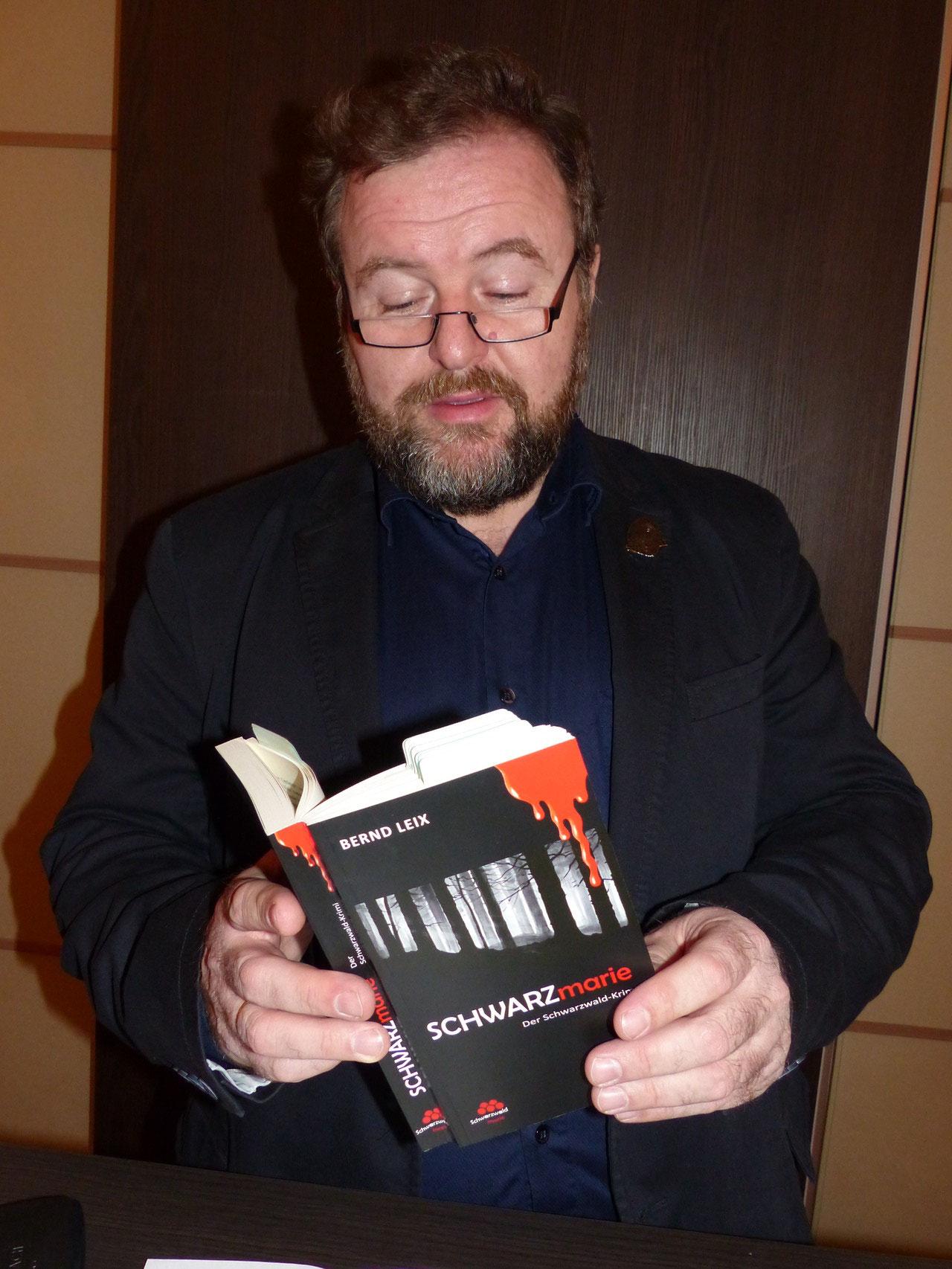 Der Autor, Bernd Leix, bei der mitreißende Lesung