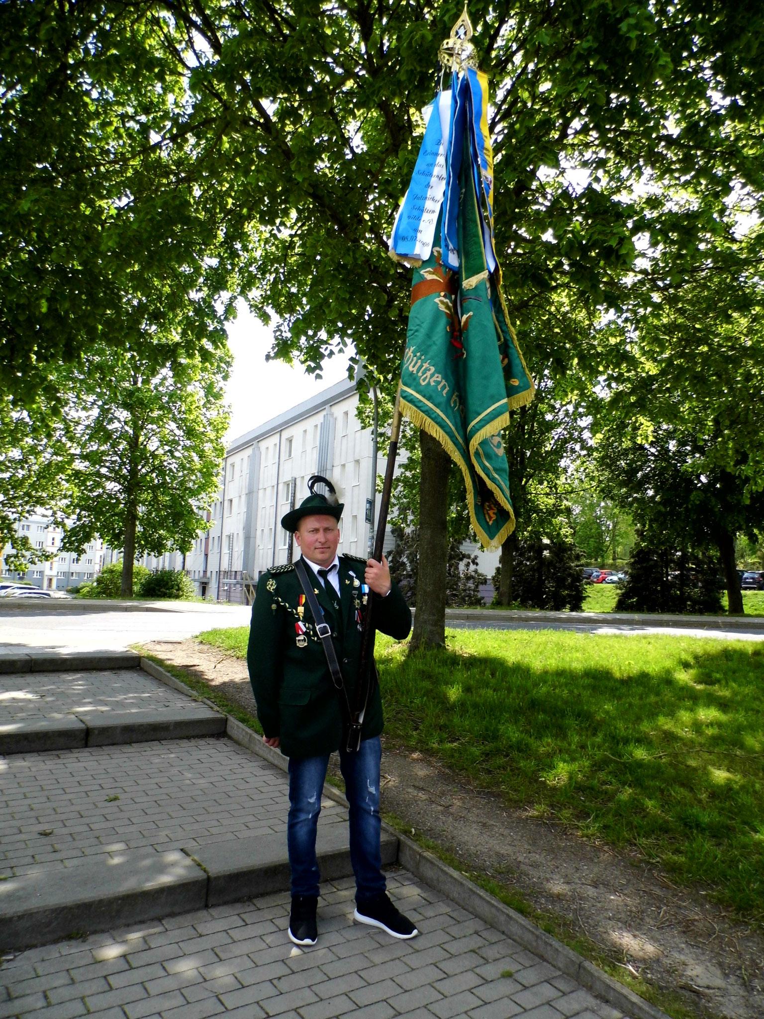 Michael Lehmann mit unserer Vereinsfahne