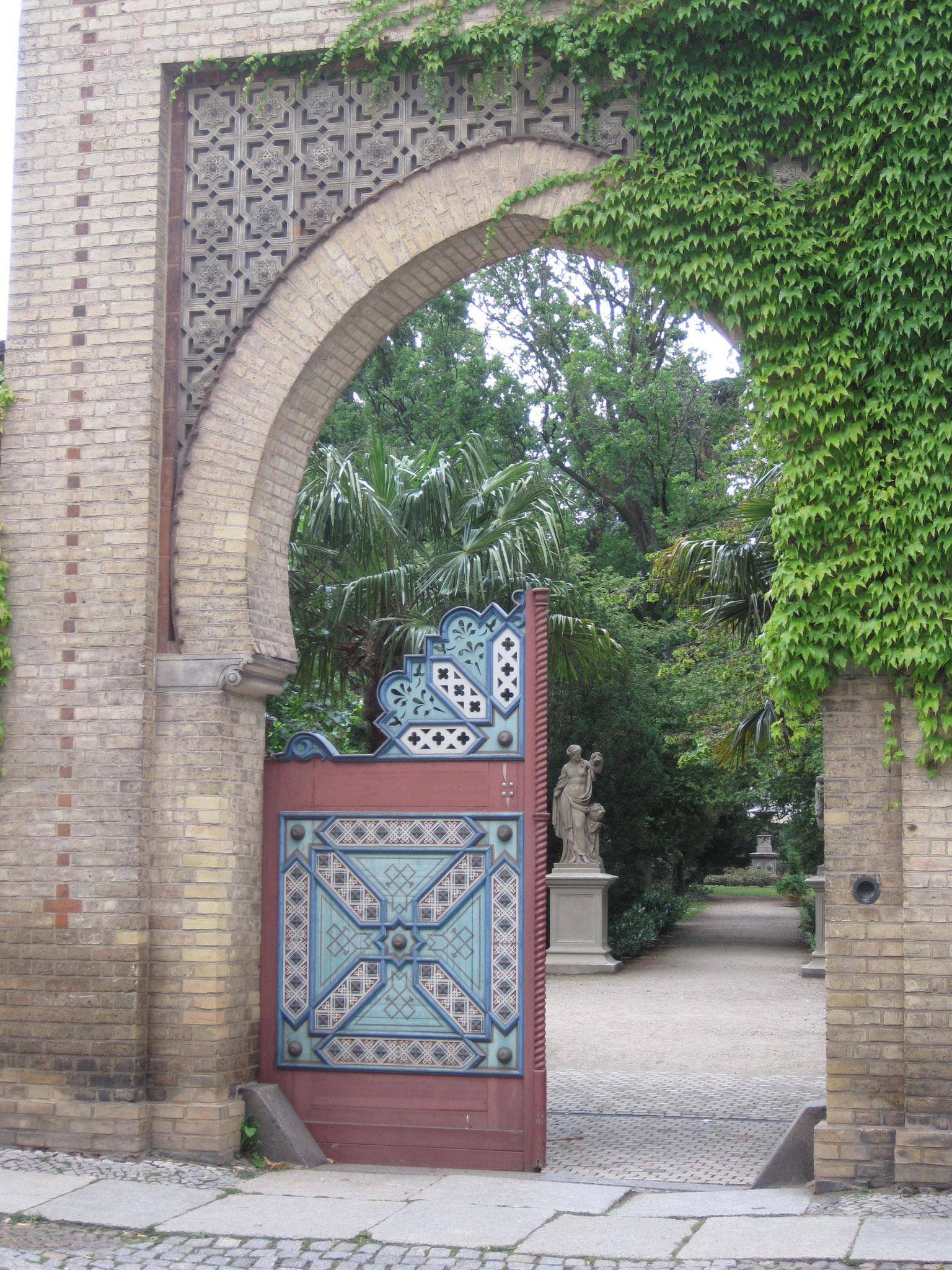 Eingangstor zum Tempelgarten
