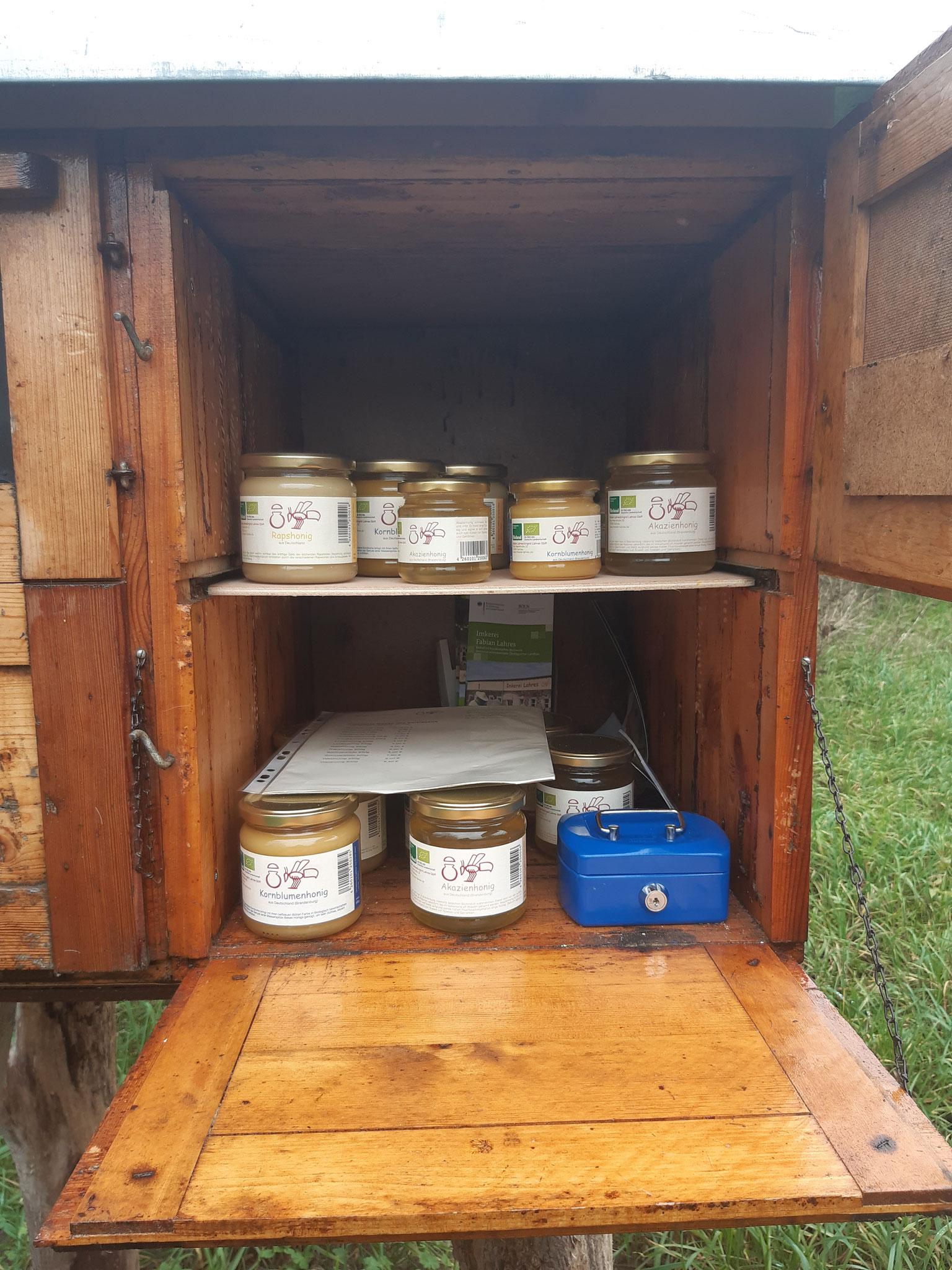 ...drinnen wartet köstlicher Honig
