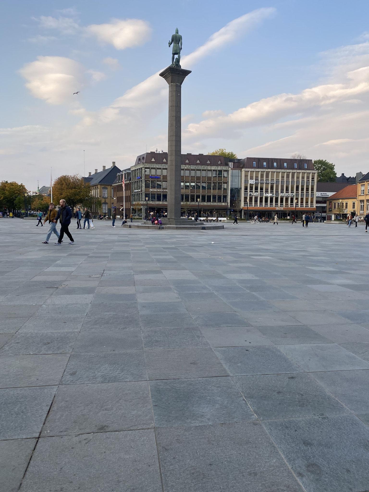 Der Trondheim Torg ist der Marktplatz in der Mitte der Stadt. Von hier aus sind wir gerne losgezogen, um die Umgebung zu erkunden.