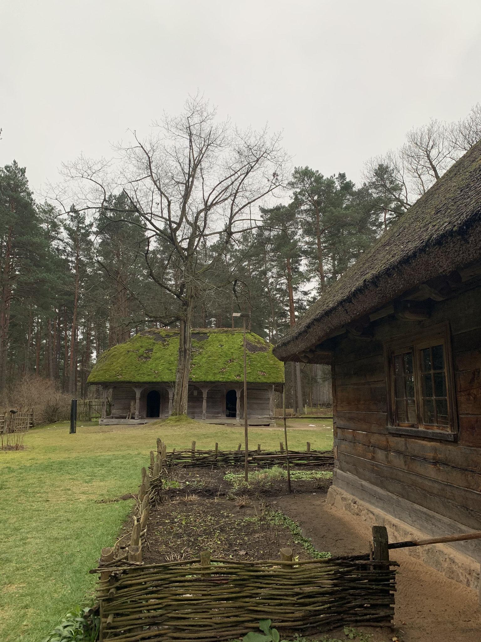 Häuser aus dem lettischen ethnografischen Museum