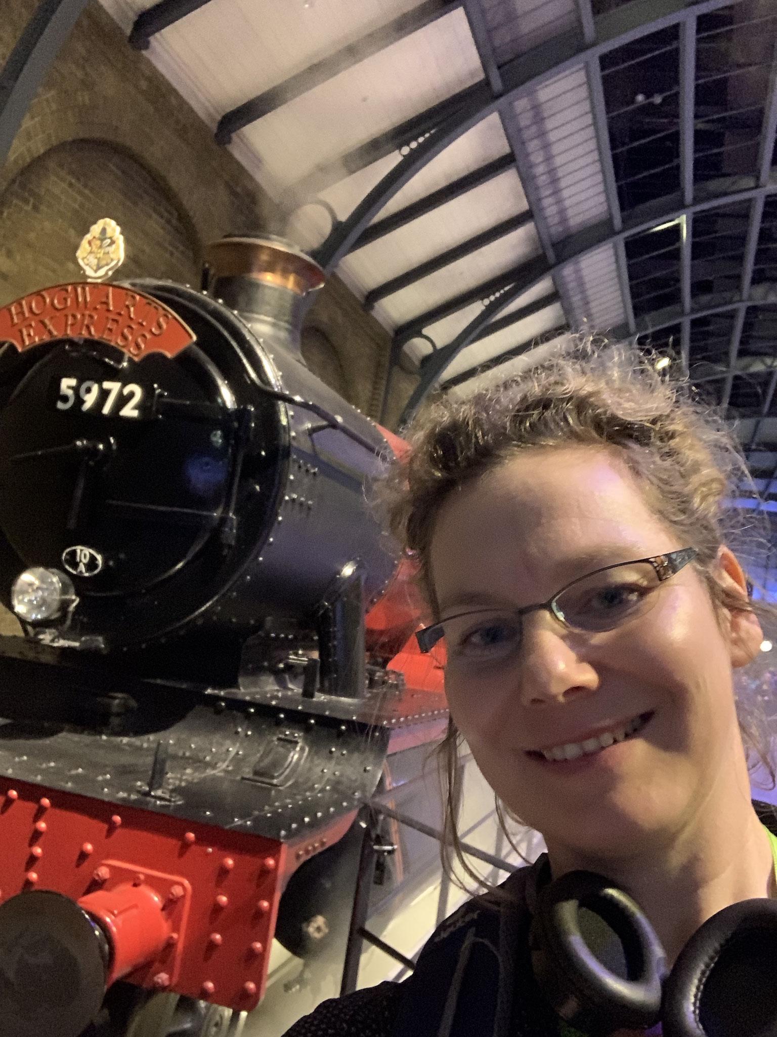 1. Mal im Harry-Potter-Museum in London. Ich lese die Bücher ein Mal im Jahr, schaue die Filme öfter und weiß nun: Butterbier schmeckt nicht.