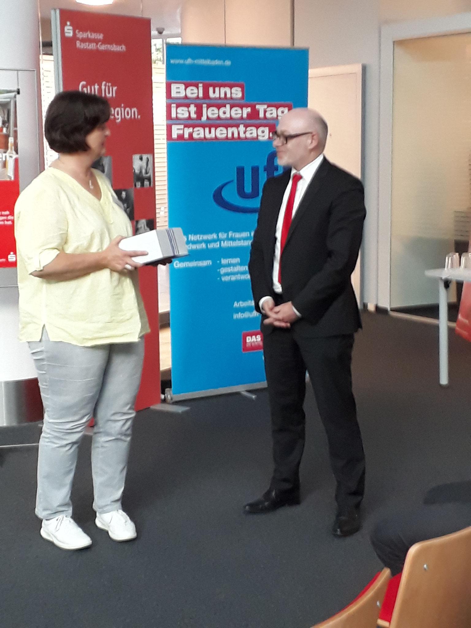 06-2019 Arbeitsrecht - Dankeschön an Herrn Wunsch, Sparkasse Ra-Gernsbach