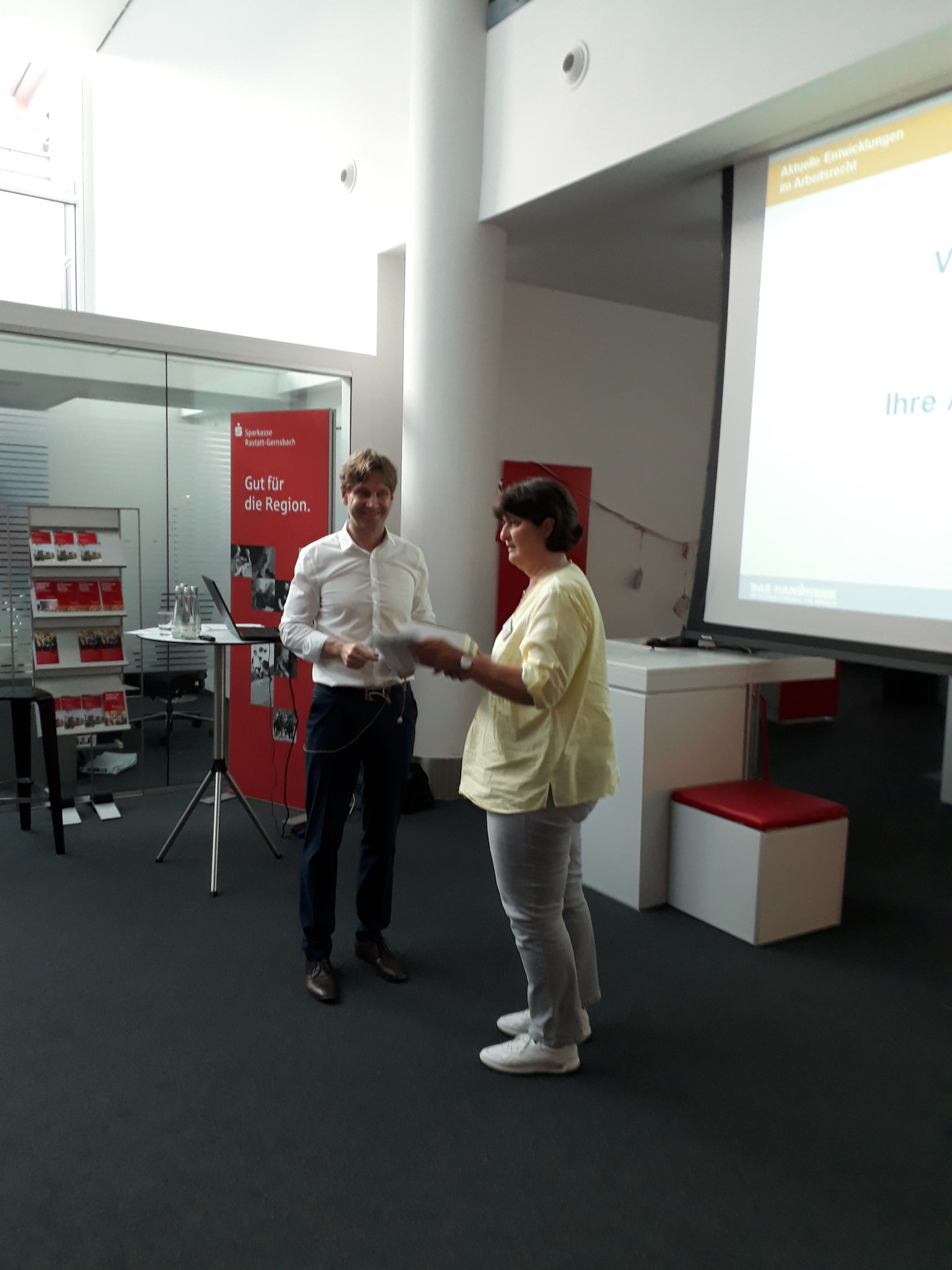 06-2019 Arbeitsrecht - Dankeschön an Herrn Steffen Wenz, HWK Karlsruhe