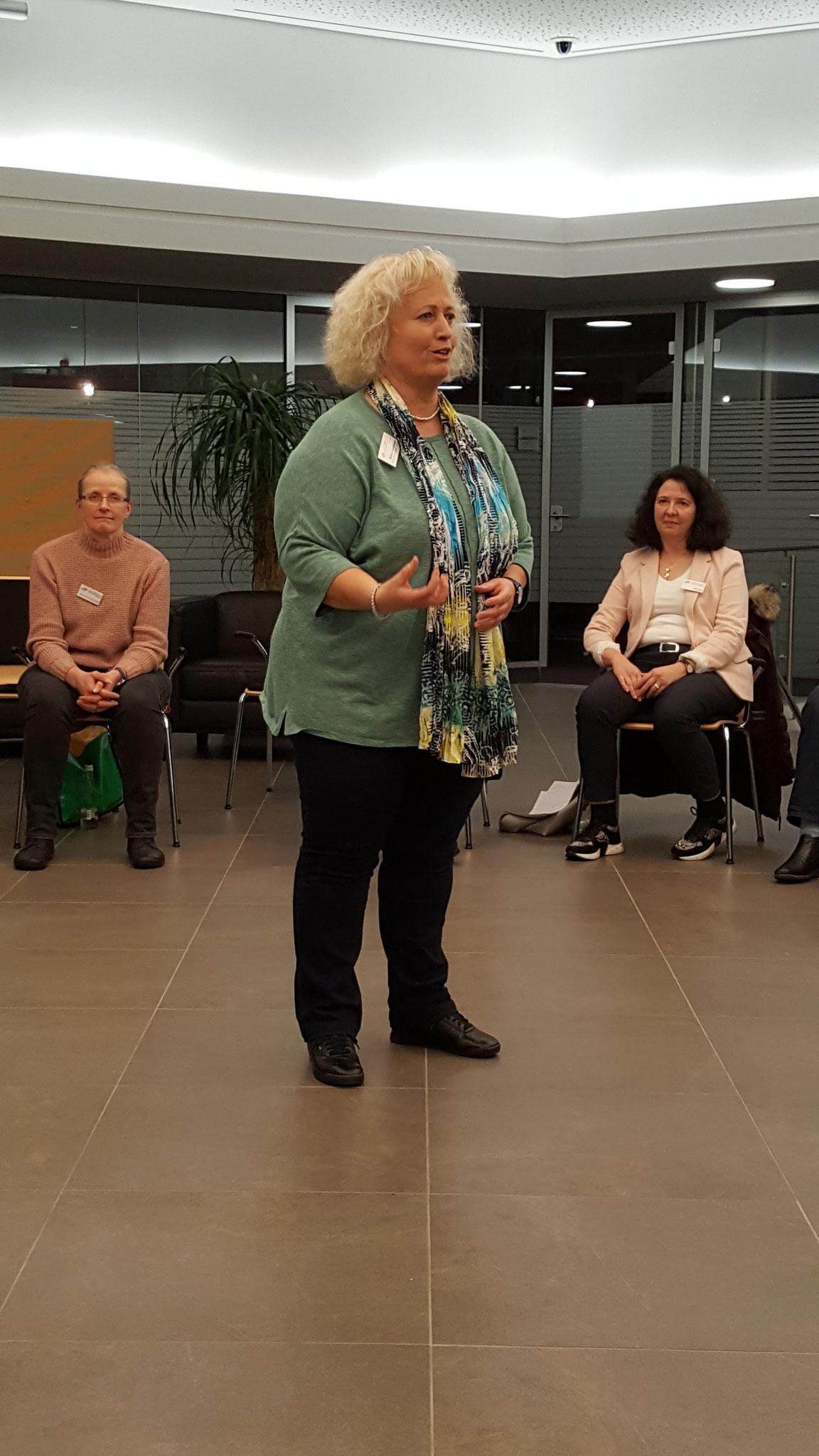 02-2020 Referentin Sabine Holzhauser