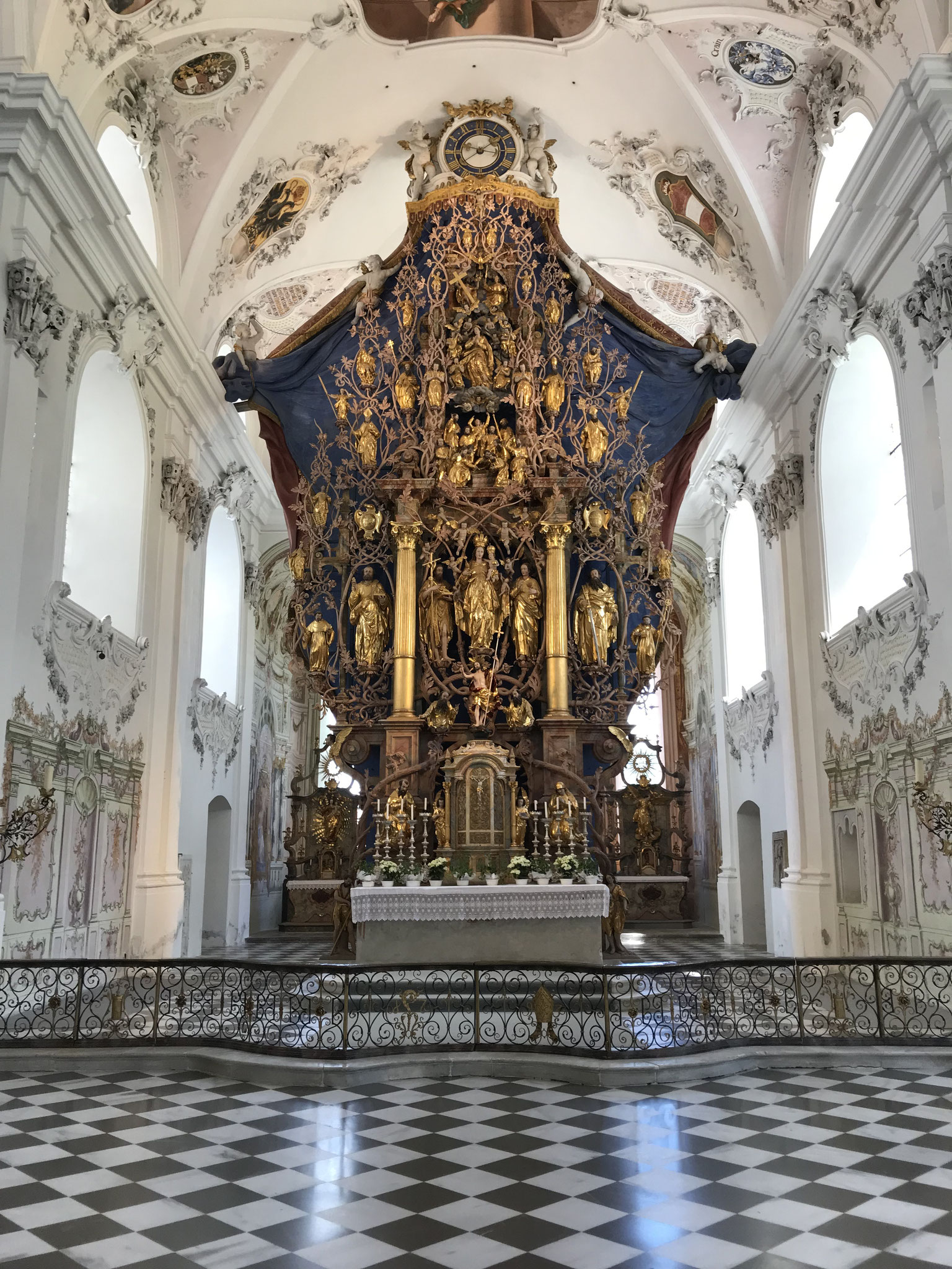 Hochaltar der Klosterkirche Stams