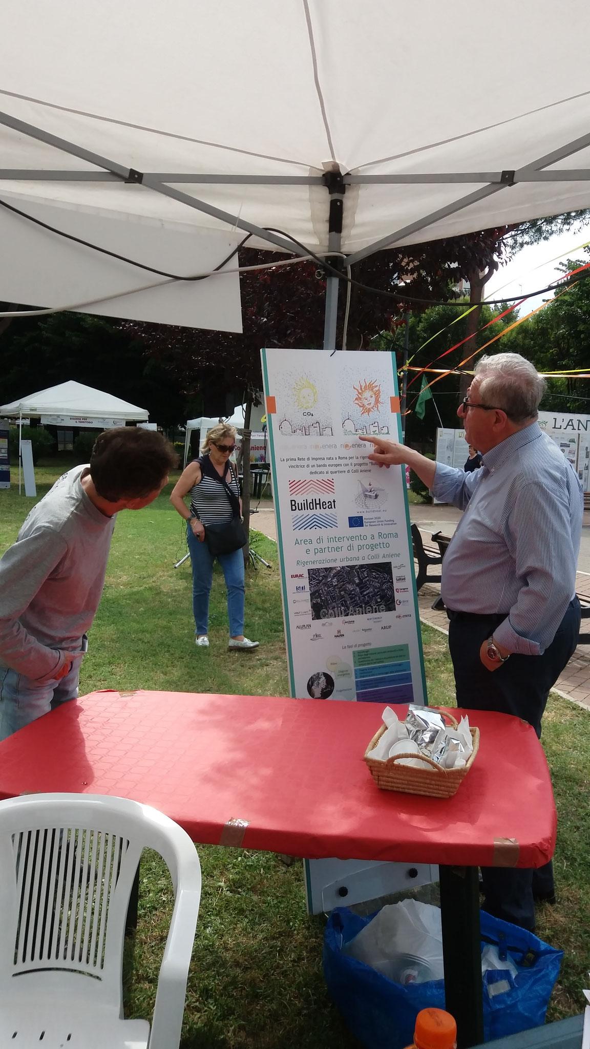 Prof. Pierluigi Cavicchioni spiega il significato delle illustrazioni realizzate sul tema dell'efficientamento energetico