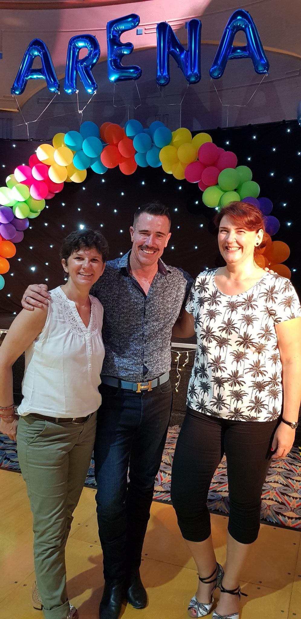 mit Simon Ward und Bettina