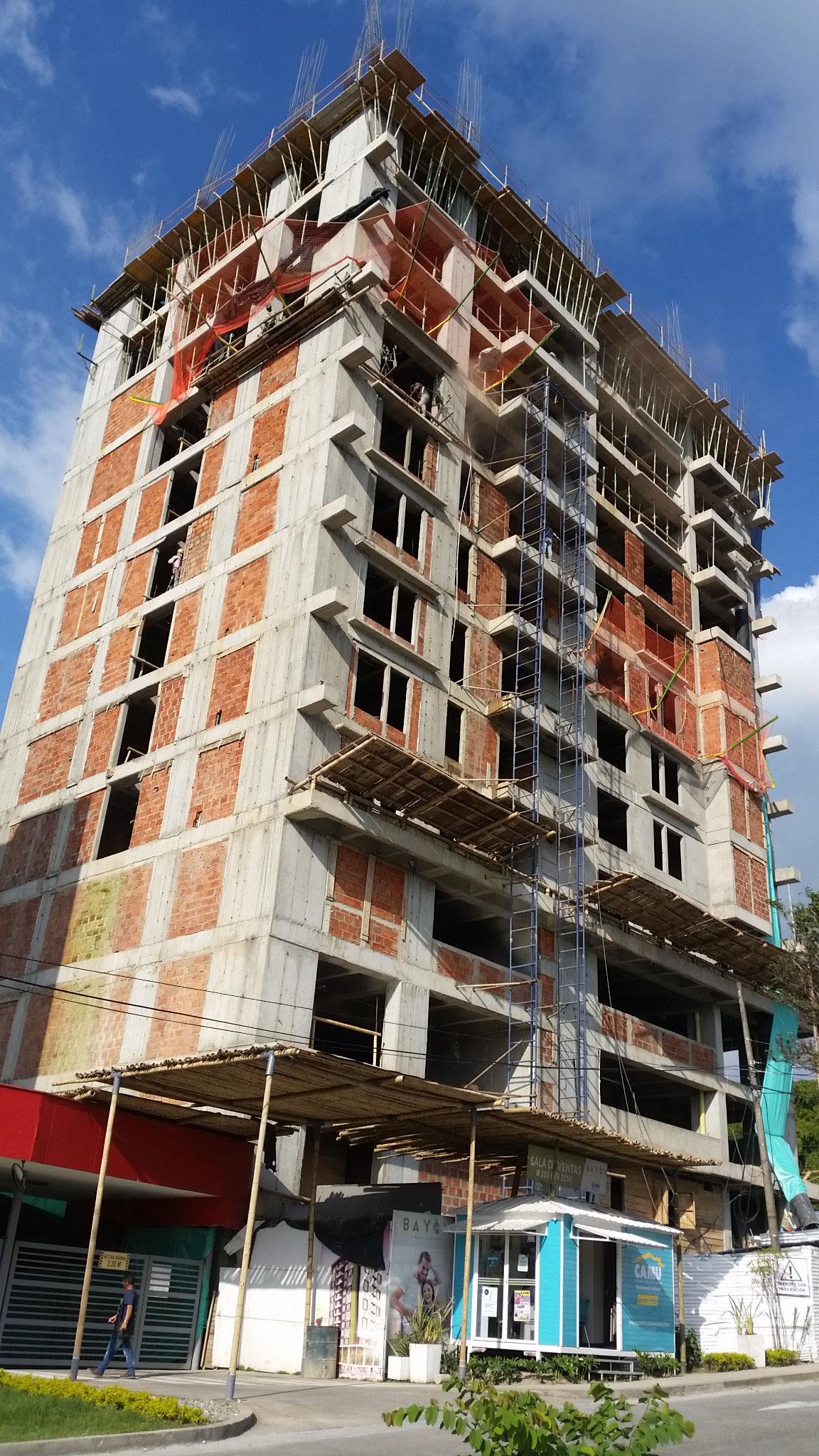 EDIFICIO PORTAL DE LA ALAMEDA, URBE CONSTRUCCIONES, ARMENIA