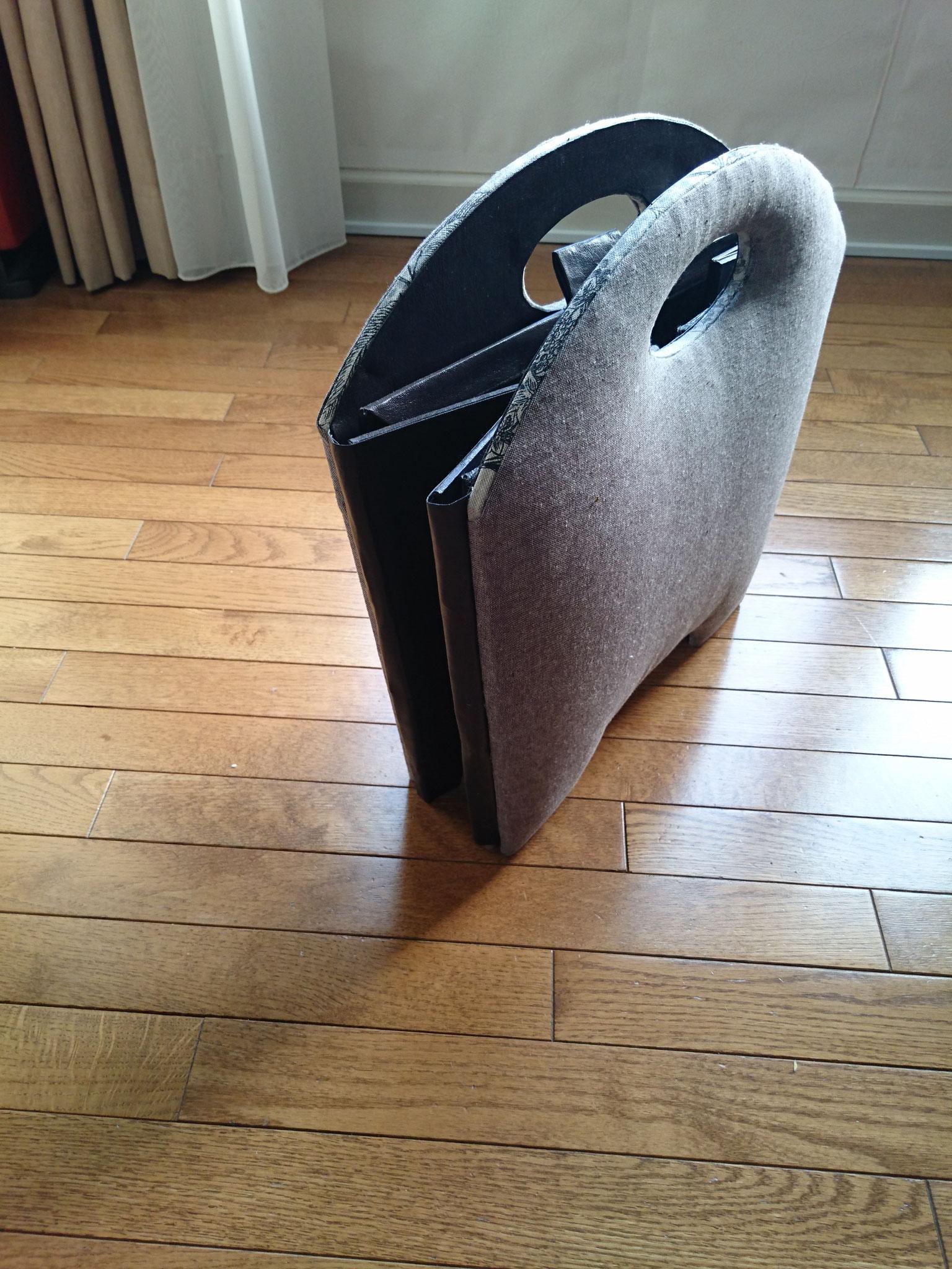 作品展作品2 折りたたみドリンクホルダー