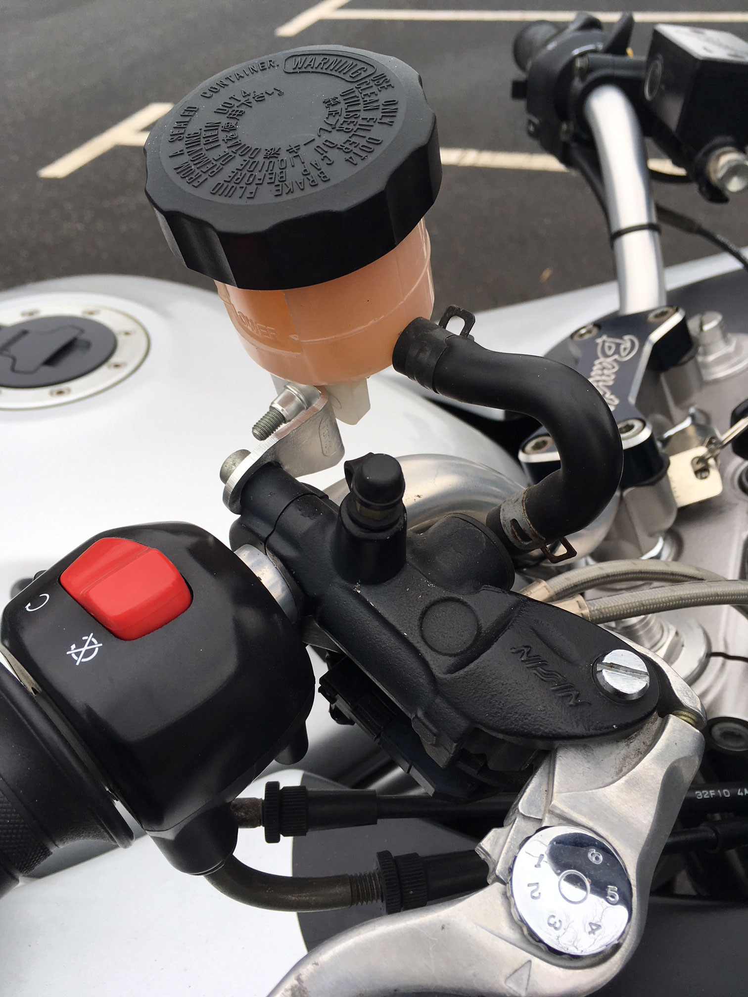 Bandit 1200 GT : maitre-cylindre de frein avant