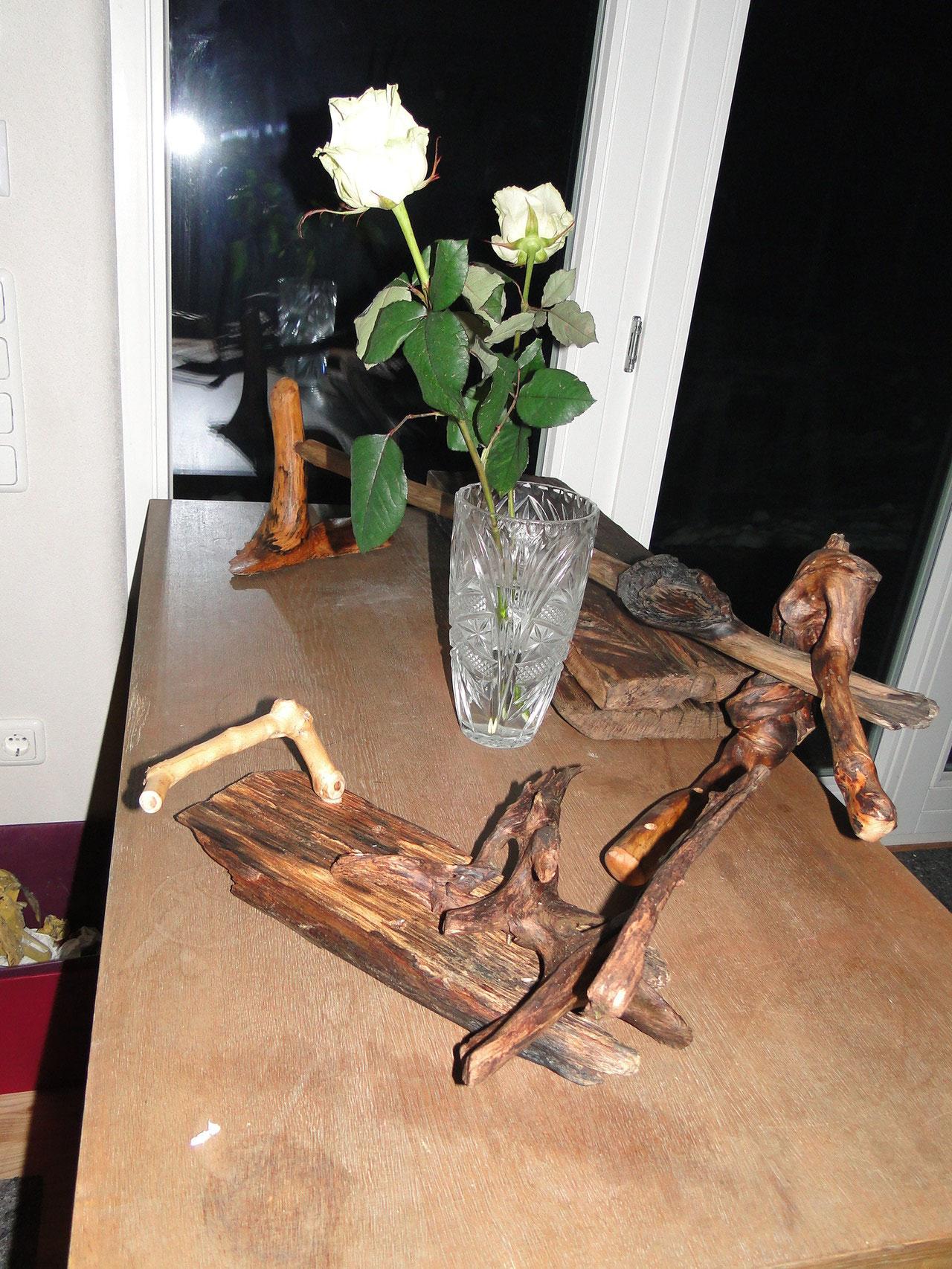 Diese wunderschönen Badmöbel von Bernhard freuen sich schon aufs Waldbad, www.manohito.de