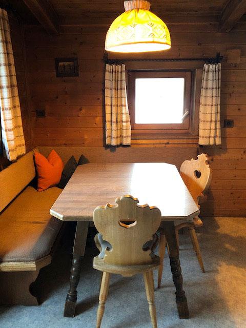 Kleine Küche mit Eckbank