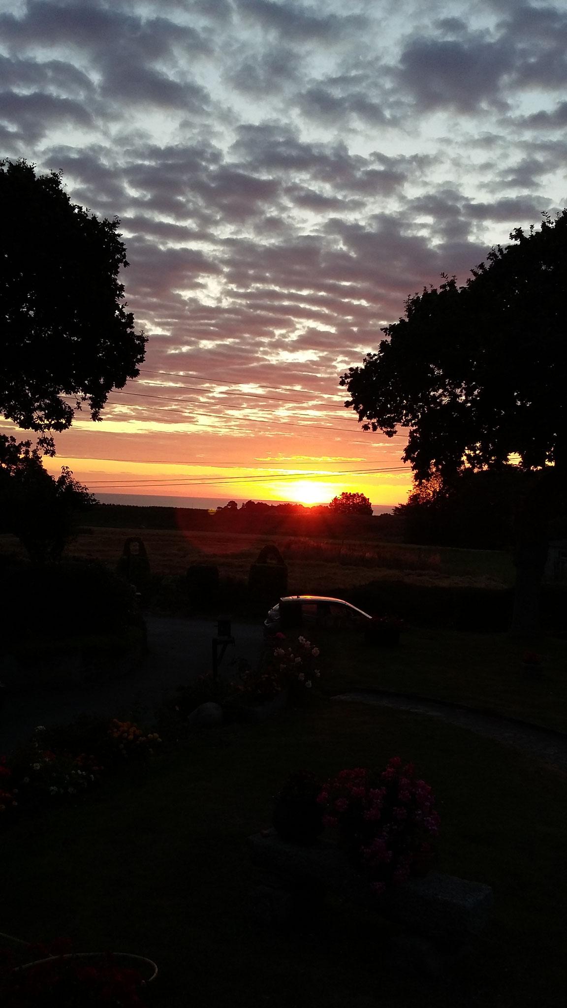Lever du soleil : vue de la véranda