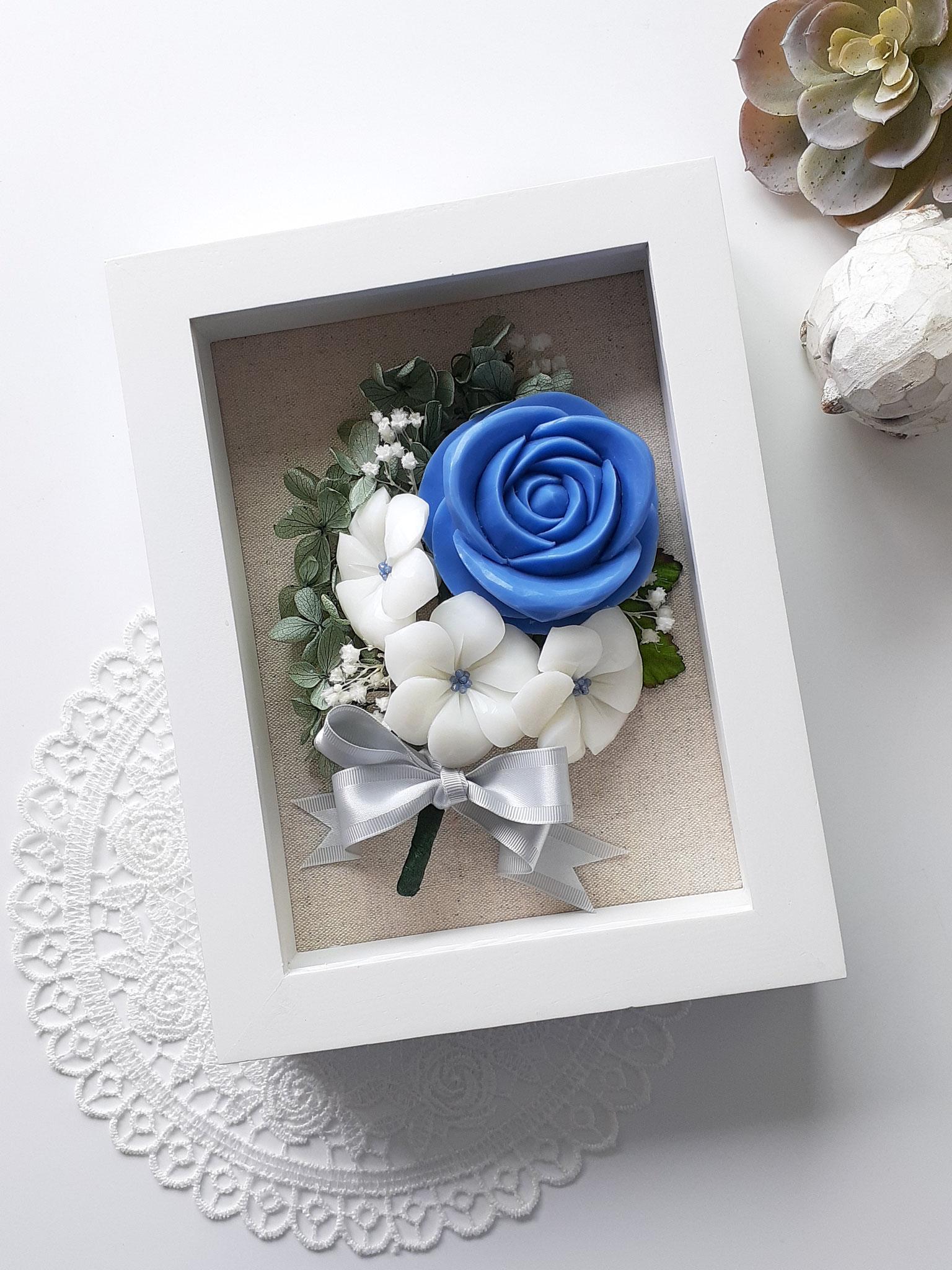 額アレンジメント バラ&白い小花