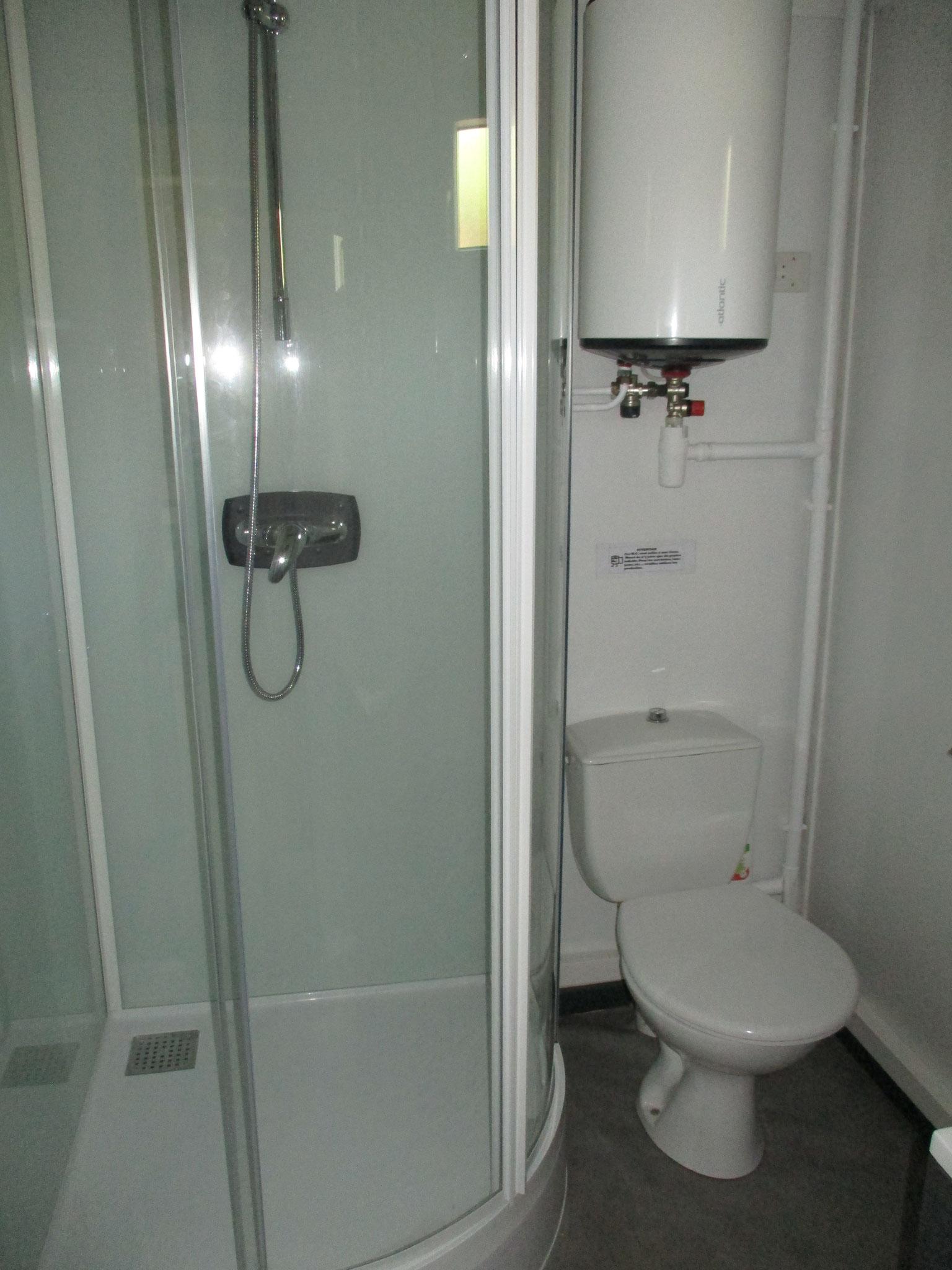 Douche/WC/ lavabo