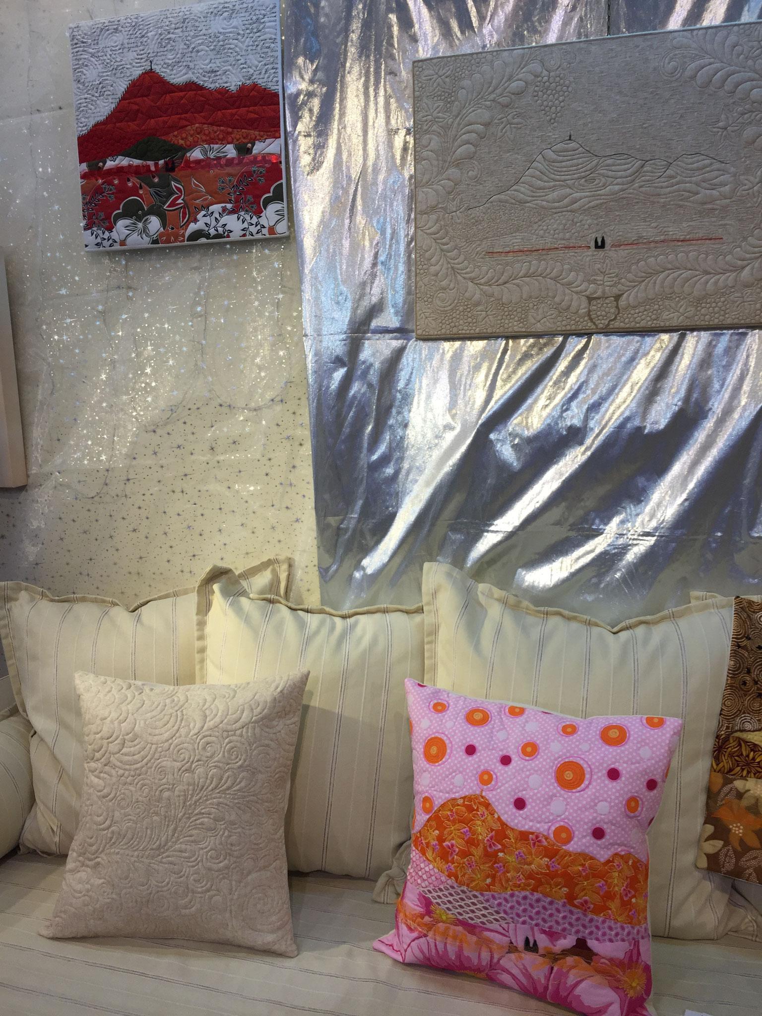 """Le grand cadre """"Chaîne des Puys"""" et le coussin """"Toile de Jouy"""" ont trouvé une autre maison à Noël !"""