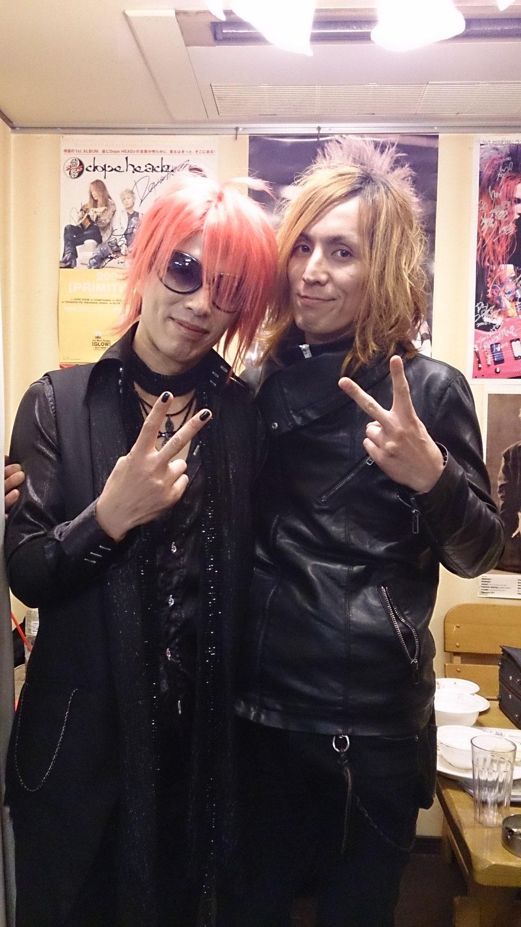 GuitarのRinoさんと記念写真(^-^)