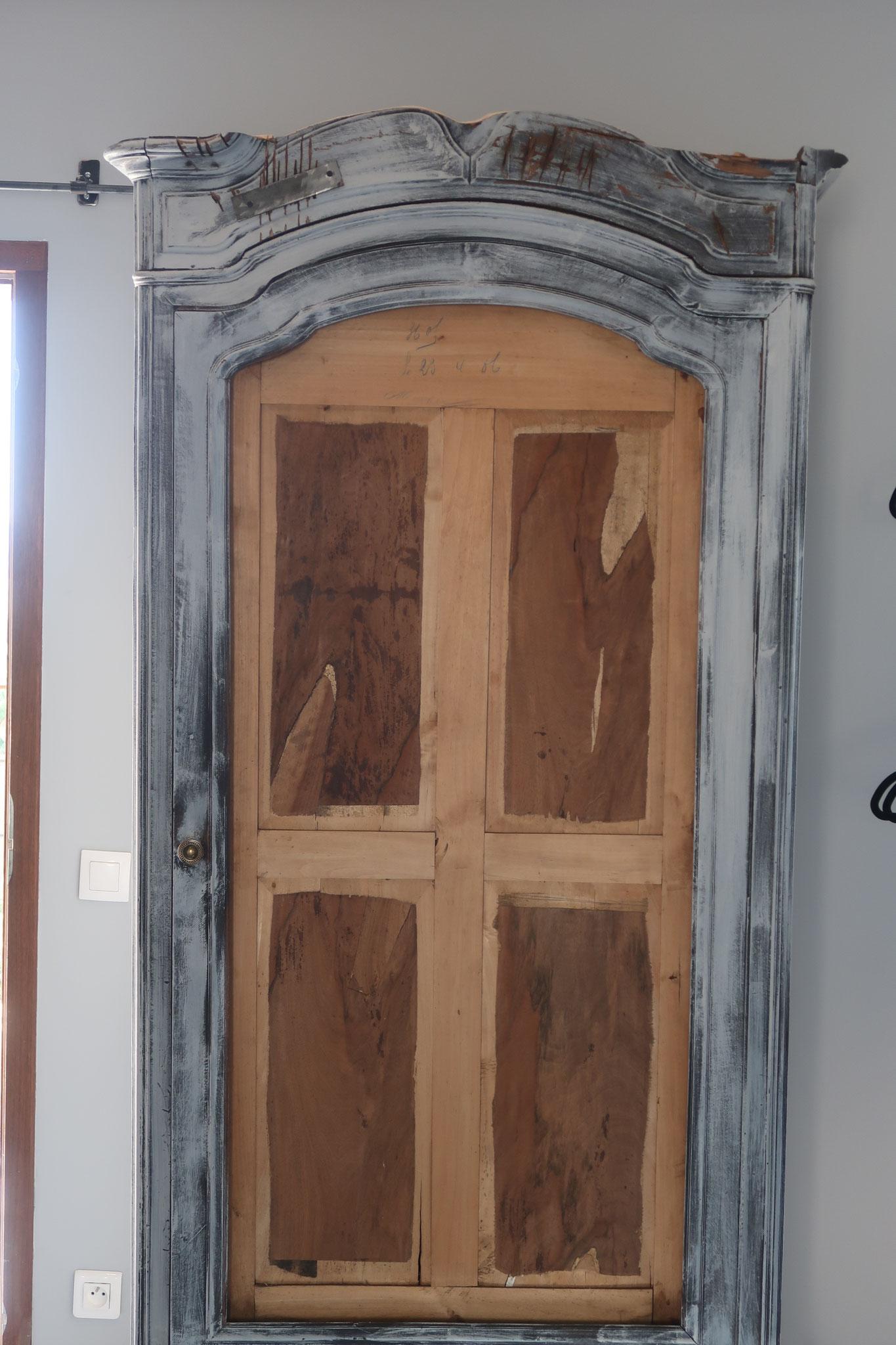 armoire carmen amaya room