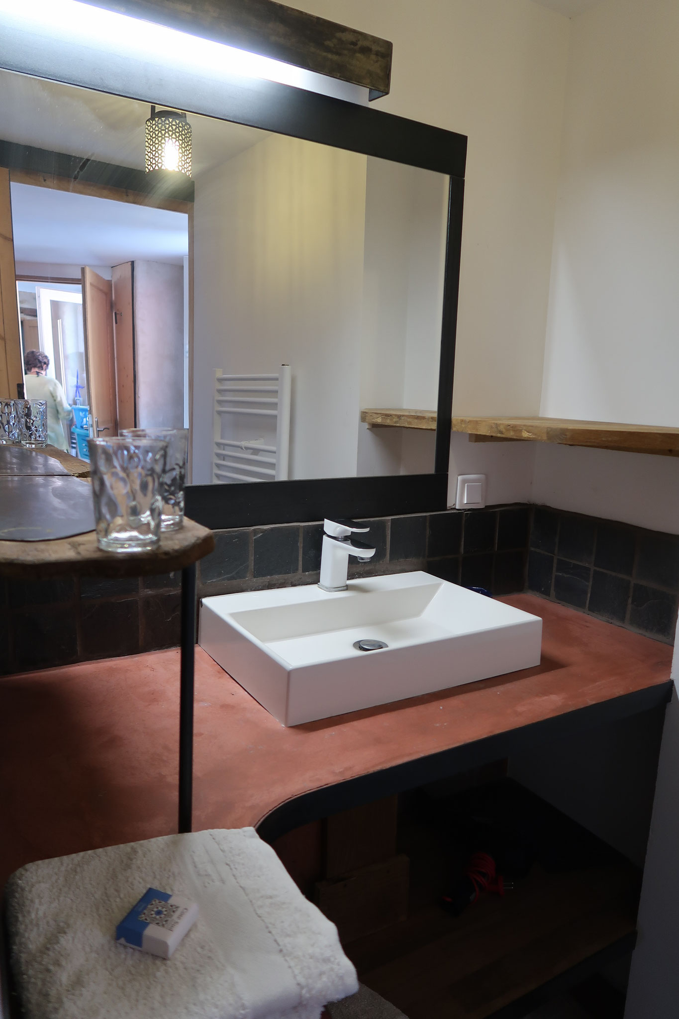 lavabo basquiat room