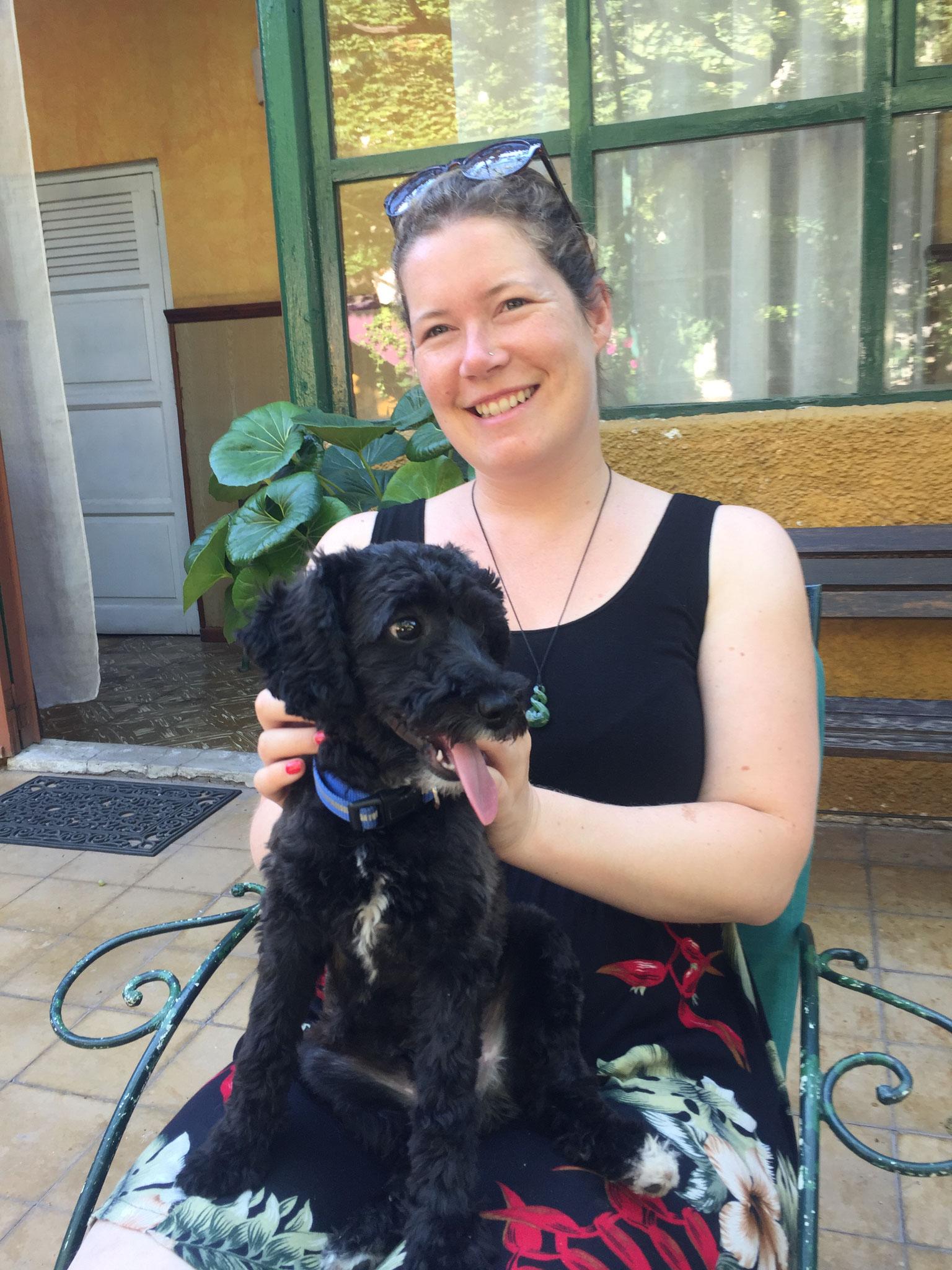 Pompom; der nicht stubenreine aber süsse Hund im Hotel in Mendoza