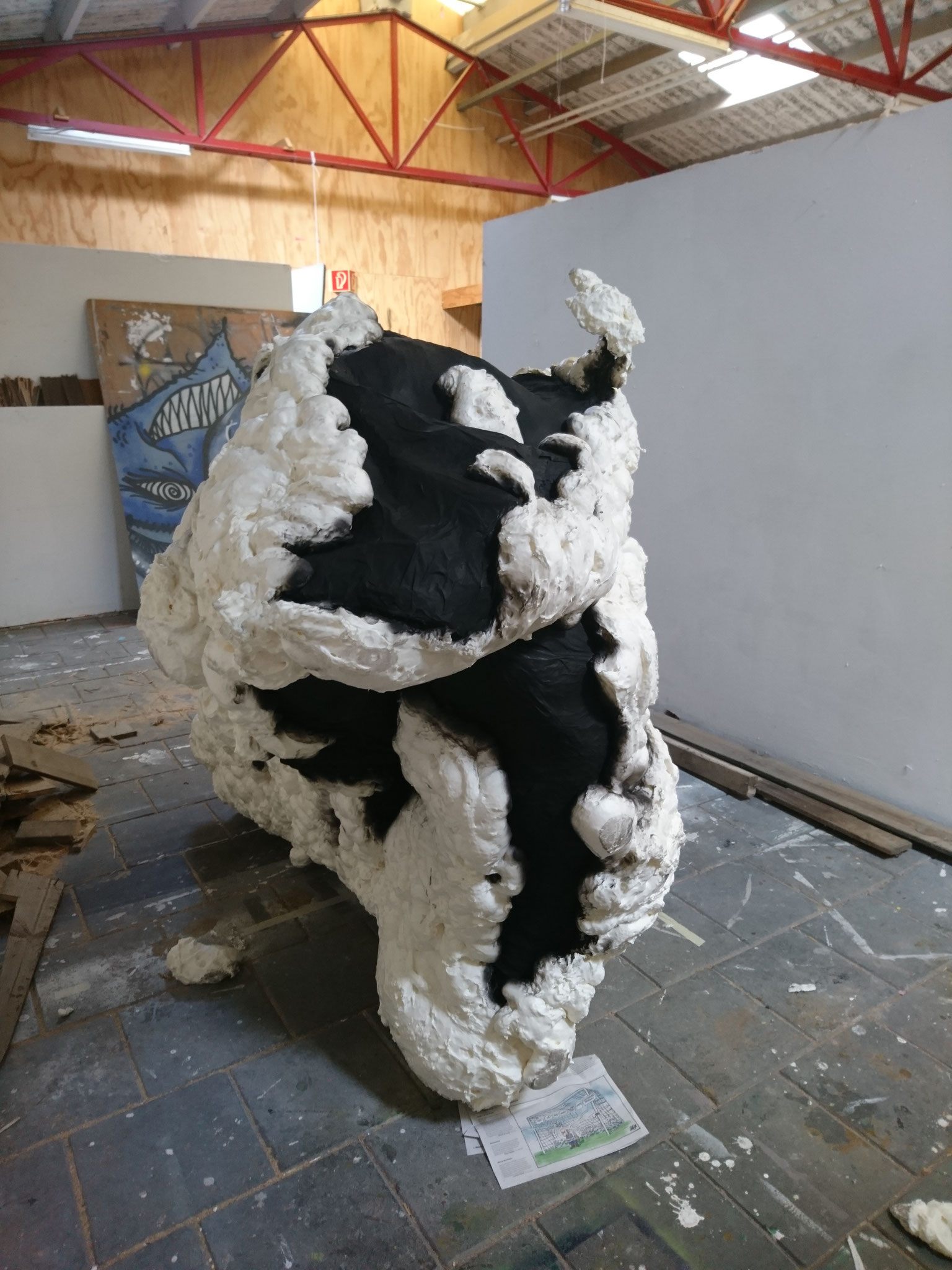 Creating big sculpture for graduation work
