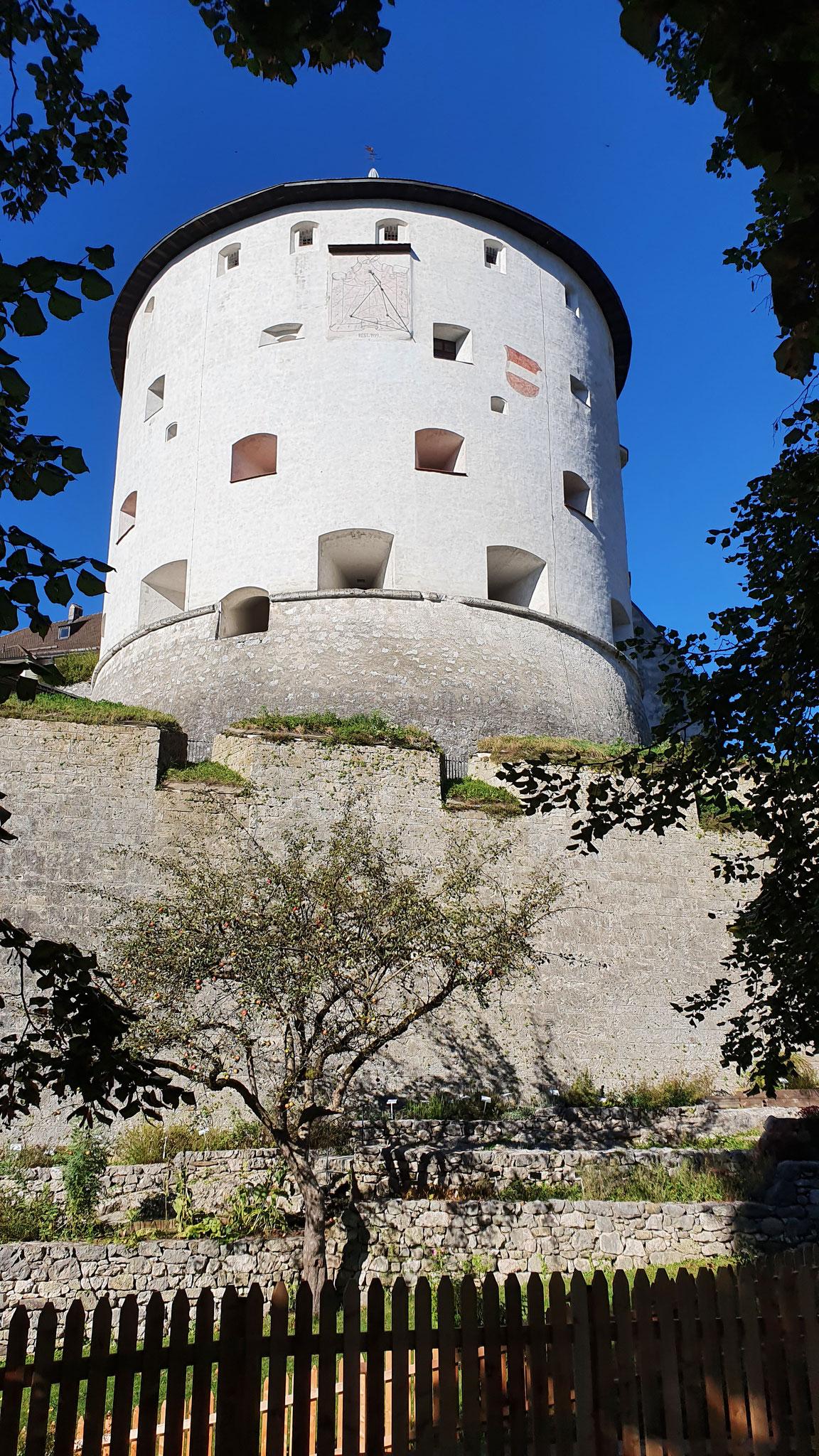 ...mit Kaiserturm...