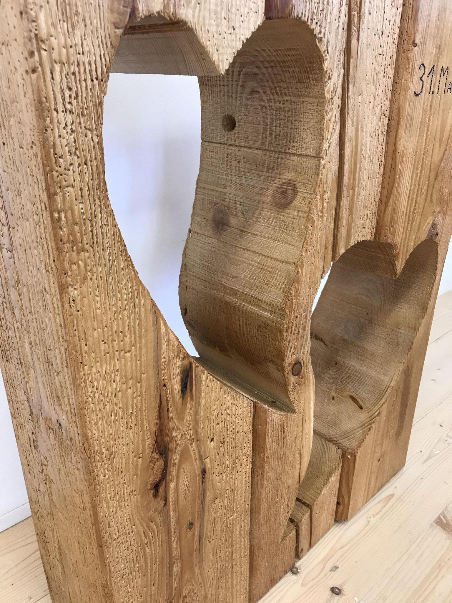 Holzsäulen