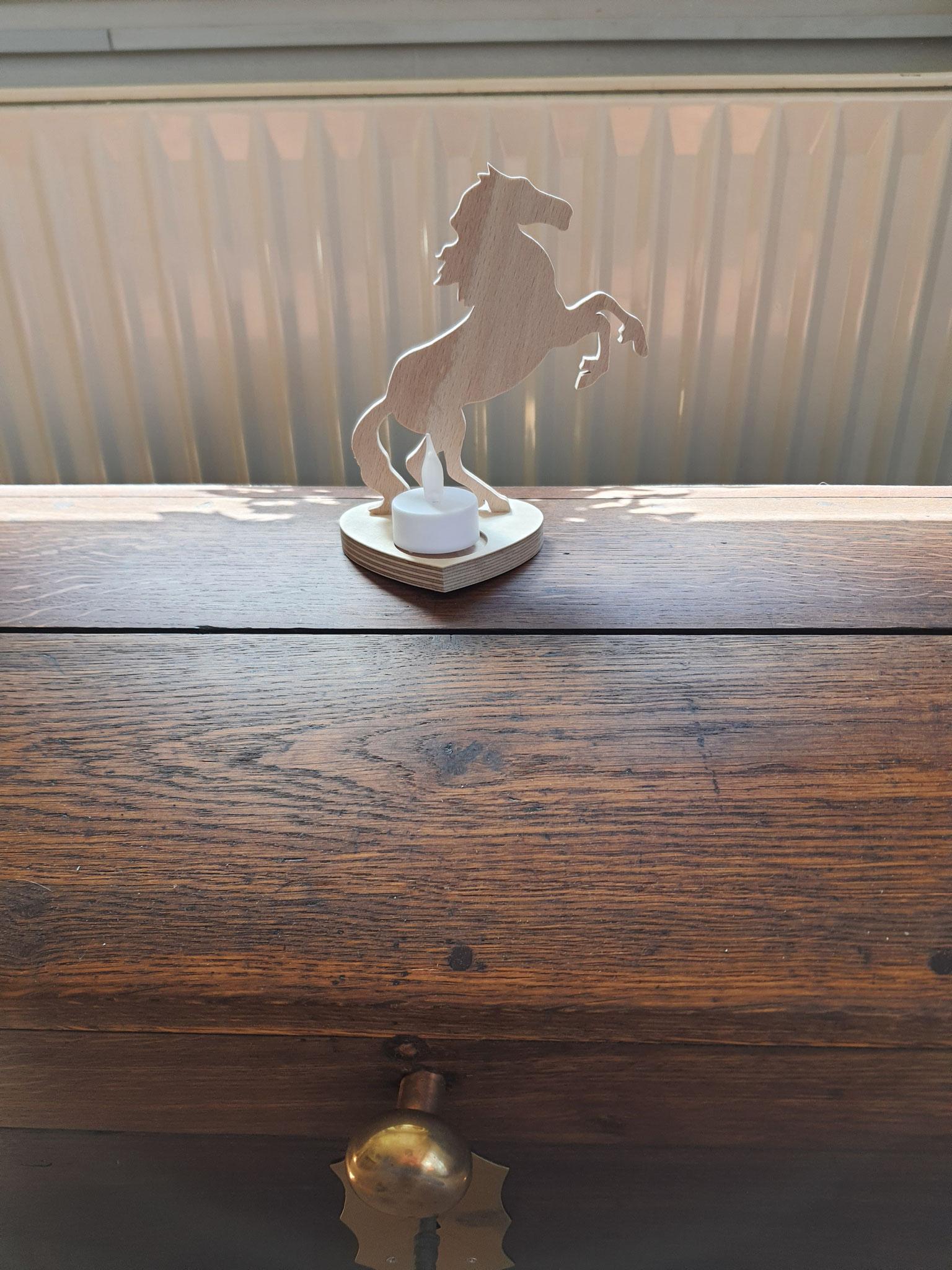 Kerzenständer mit Pferd