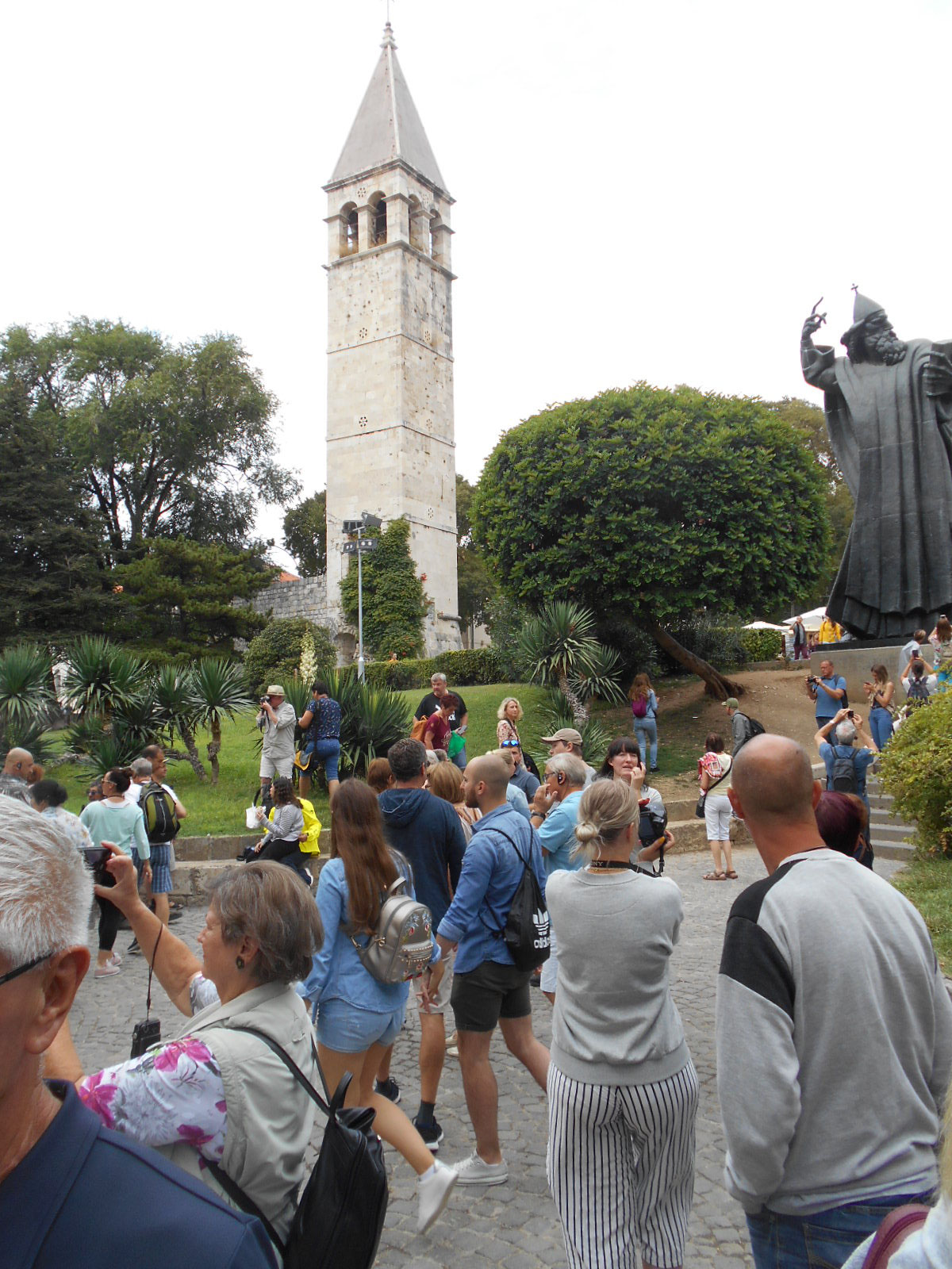 Platz vor der Porta Aurea in Split
