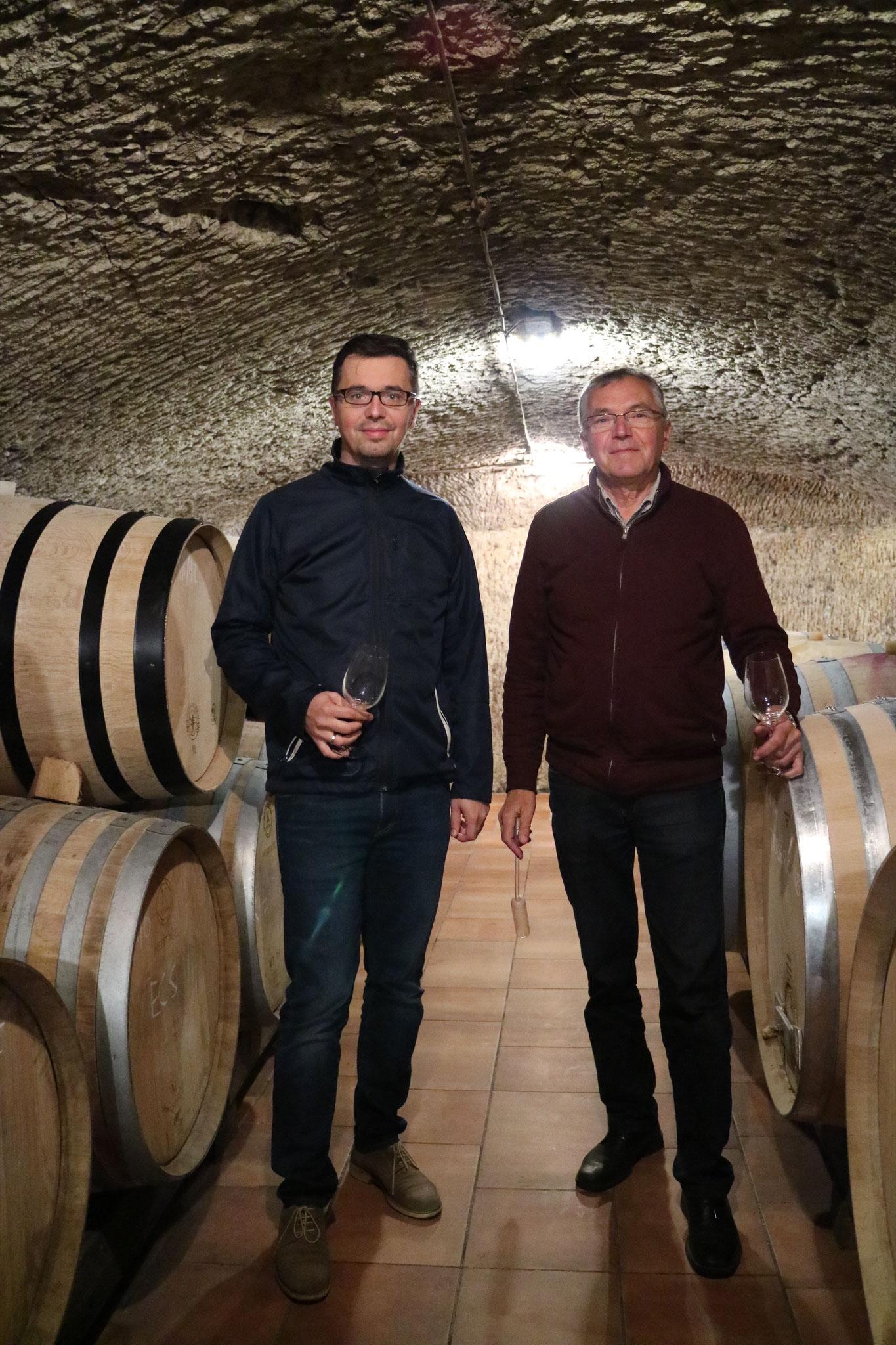 Dr. Gal Lajos im Weinkeller mit seinem Sohn Péter