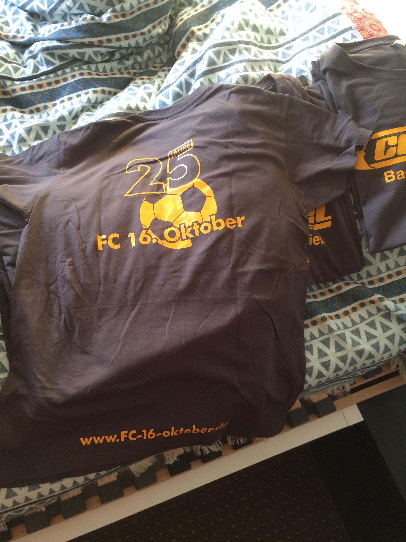 Logoentwurf, Shirts geliefert und bedruckt