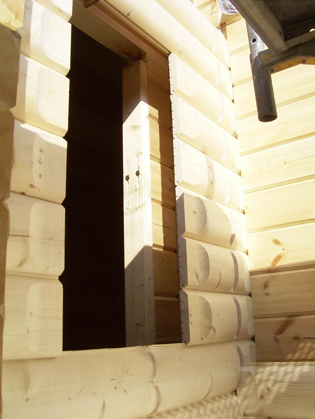 Wandaufbau in Perfektion! Die Dämmung wird ohne jegliche Folie eingeblasen. Natürlicher geht es nicht.