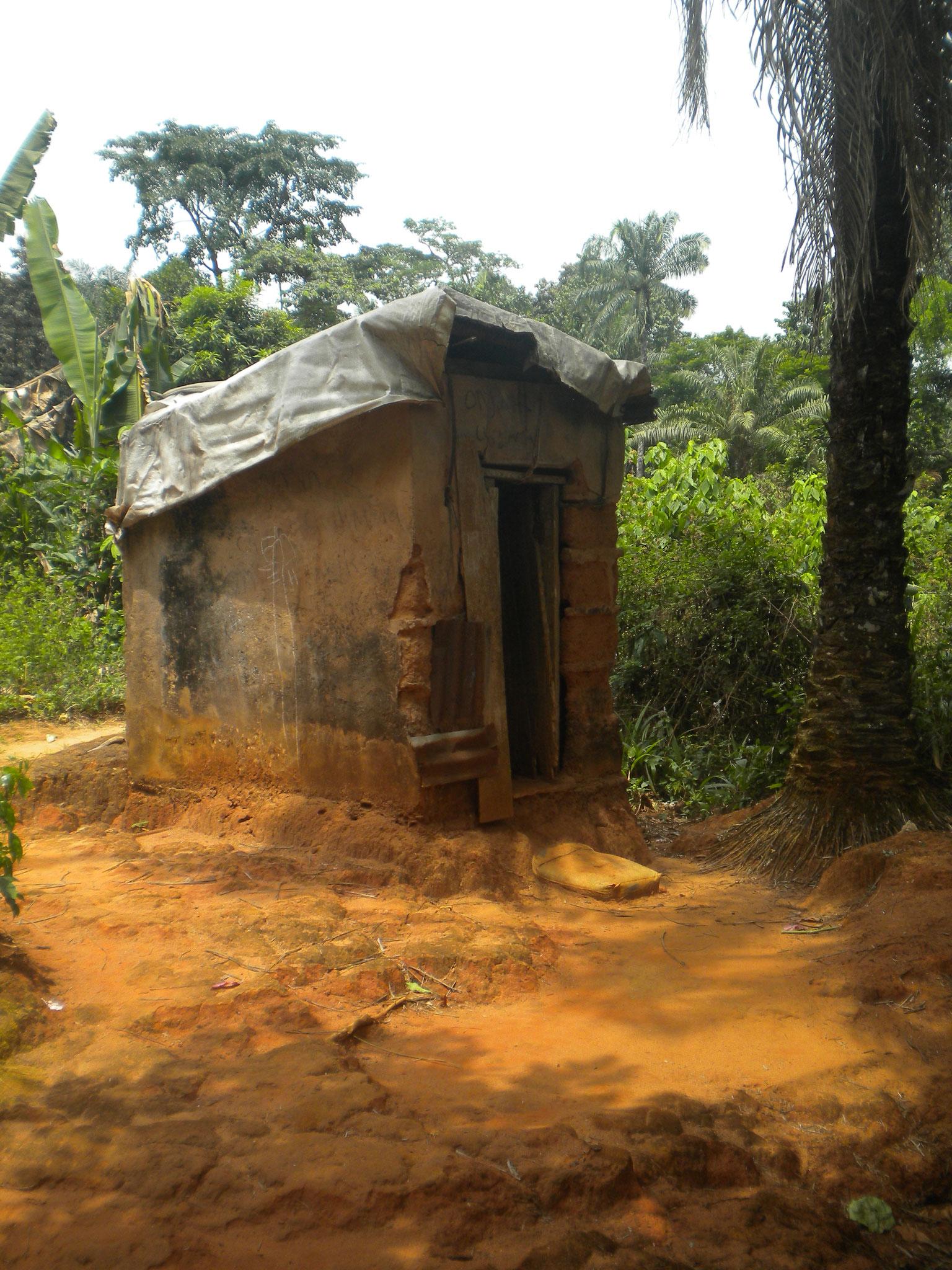 Toilette und Waschraum in Einem