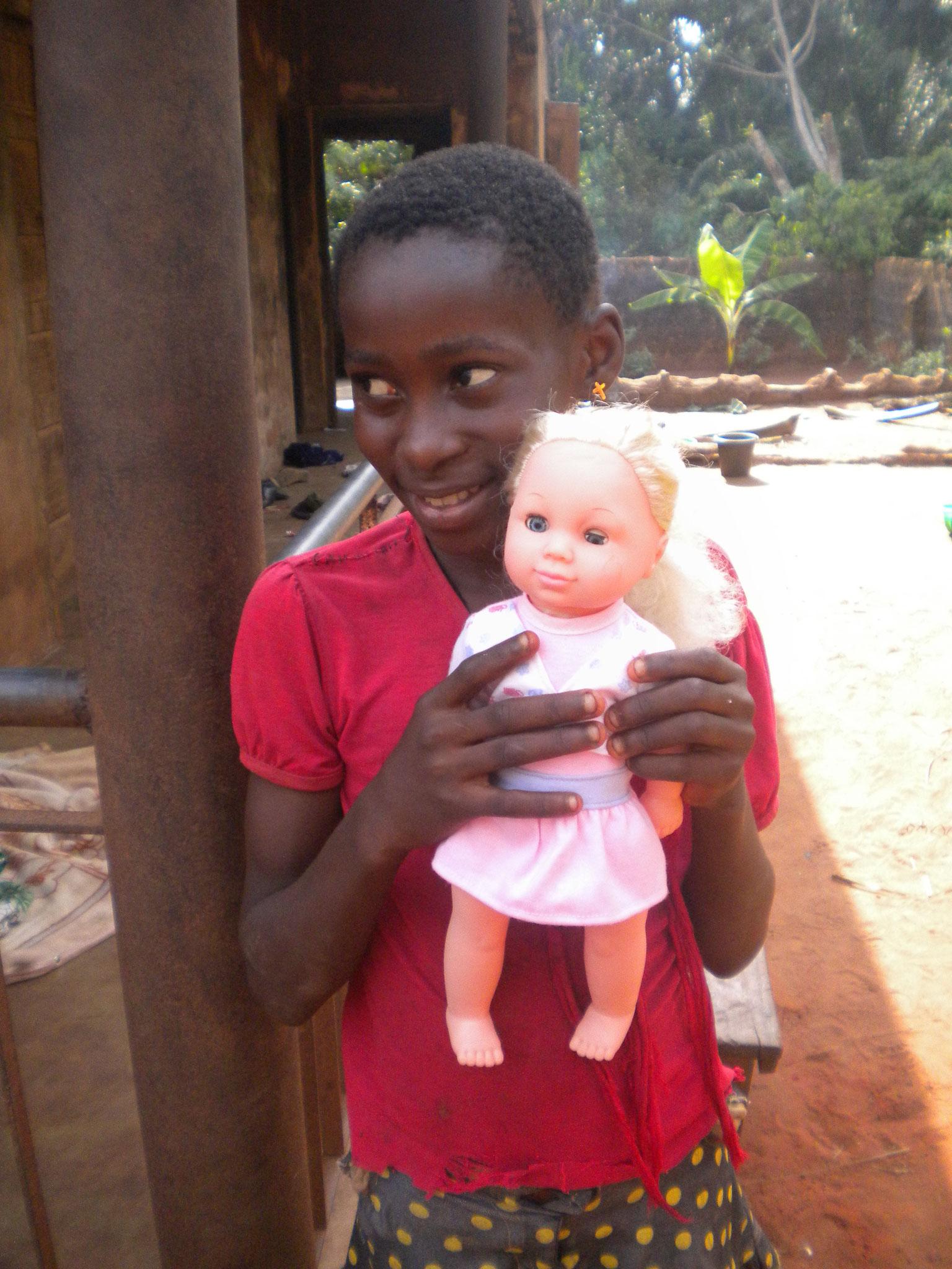 jedes Mädchen wünscht sich eine Puppe