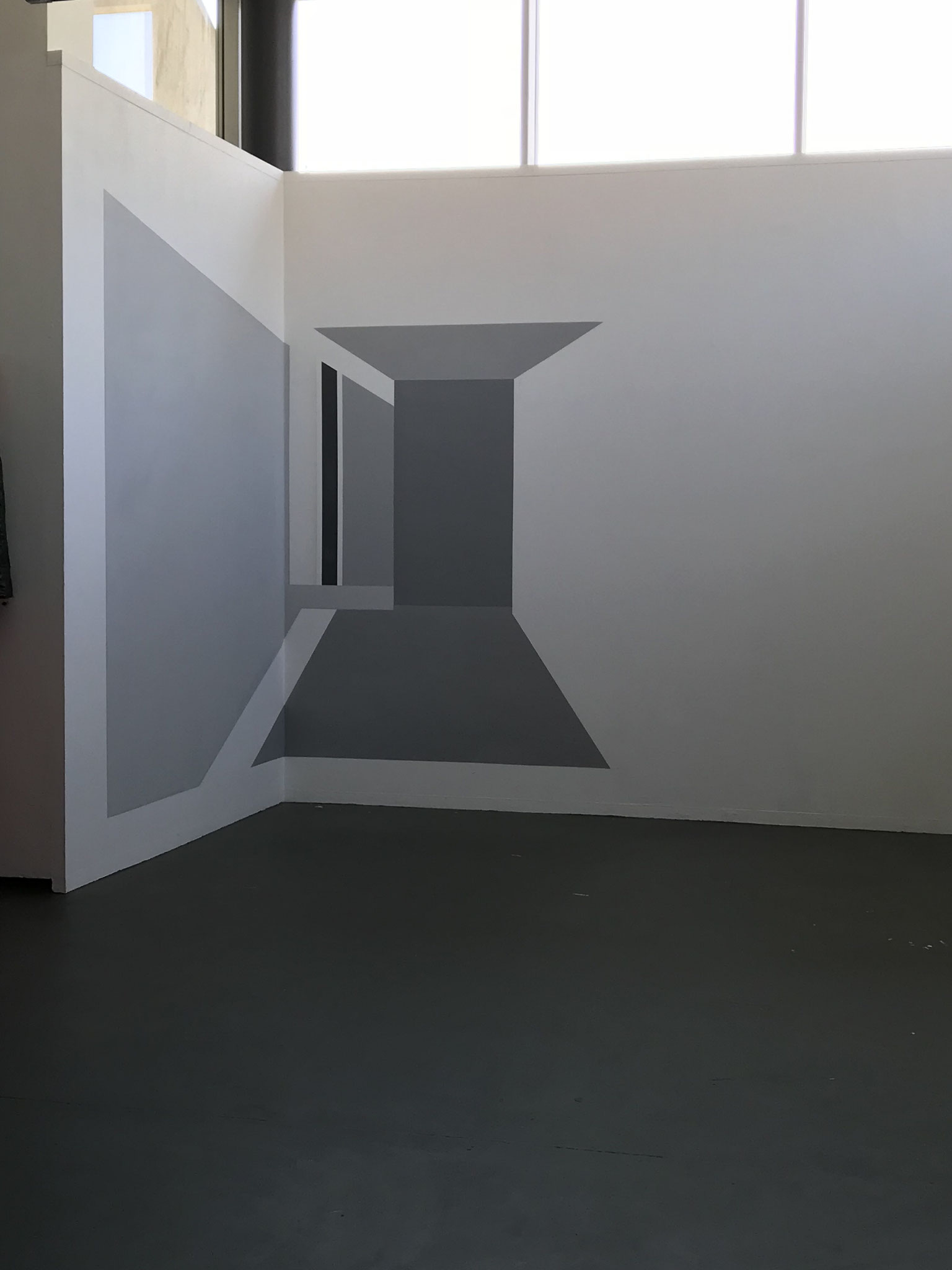 o.T., Wandfarbe/Acryl auf Putz, 280 x 500cm, 2018